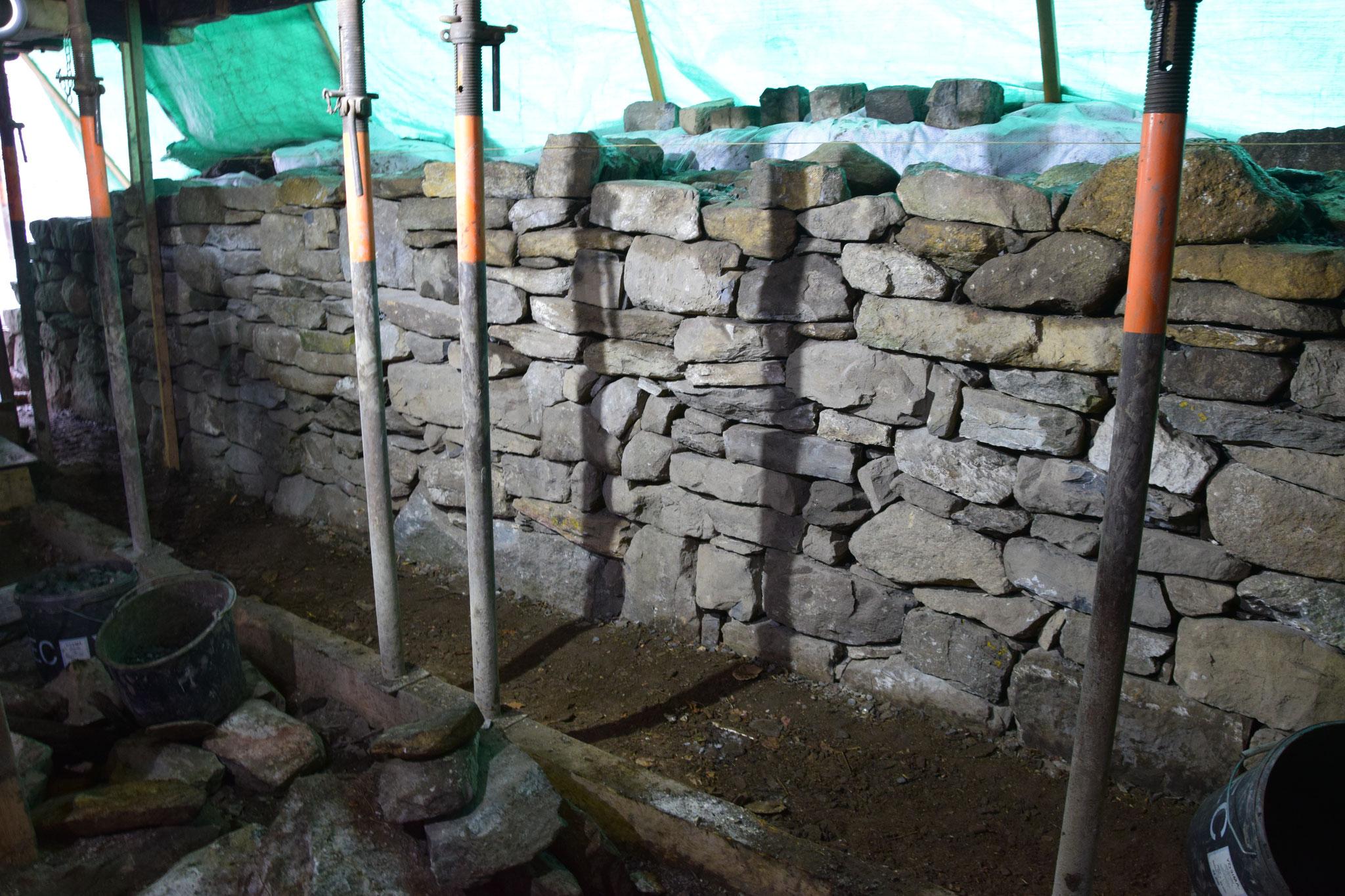 Trockensteinmauer in Bearbeitung