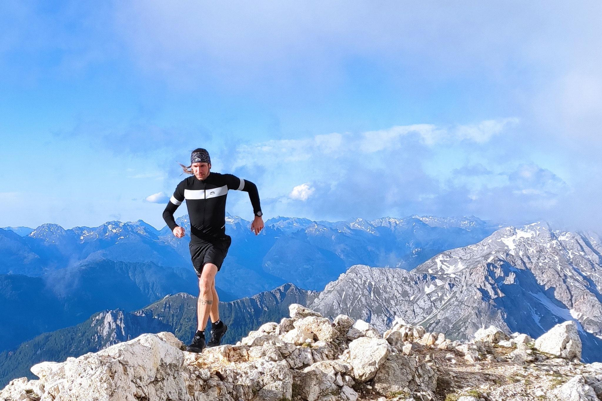 Chamonix Trail Suit von Skinfit im Test