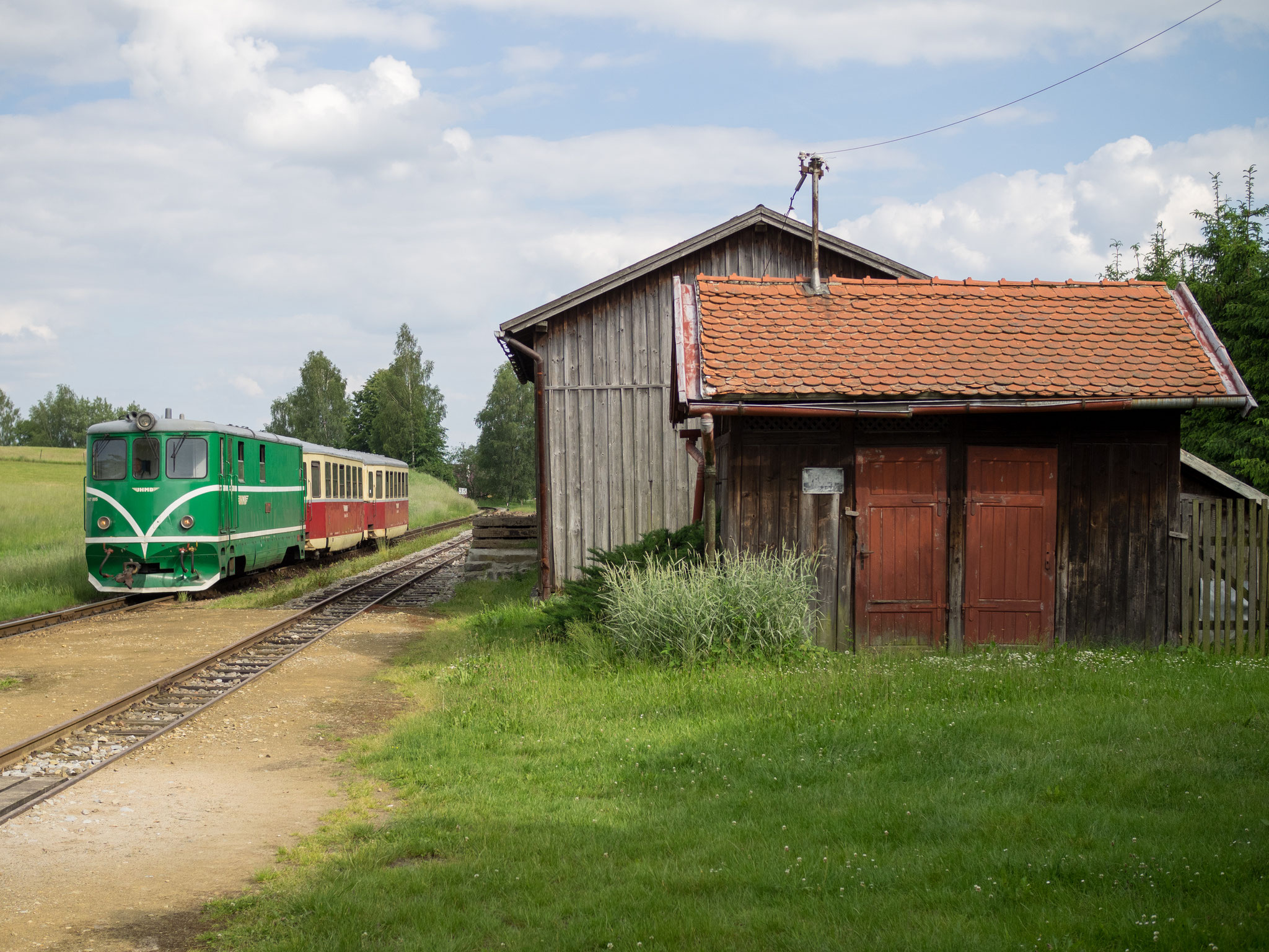 Einfahrt T47.005 in Vcelnicka