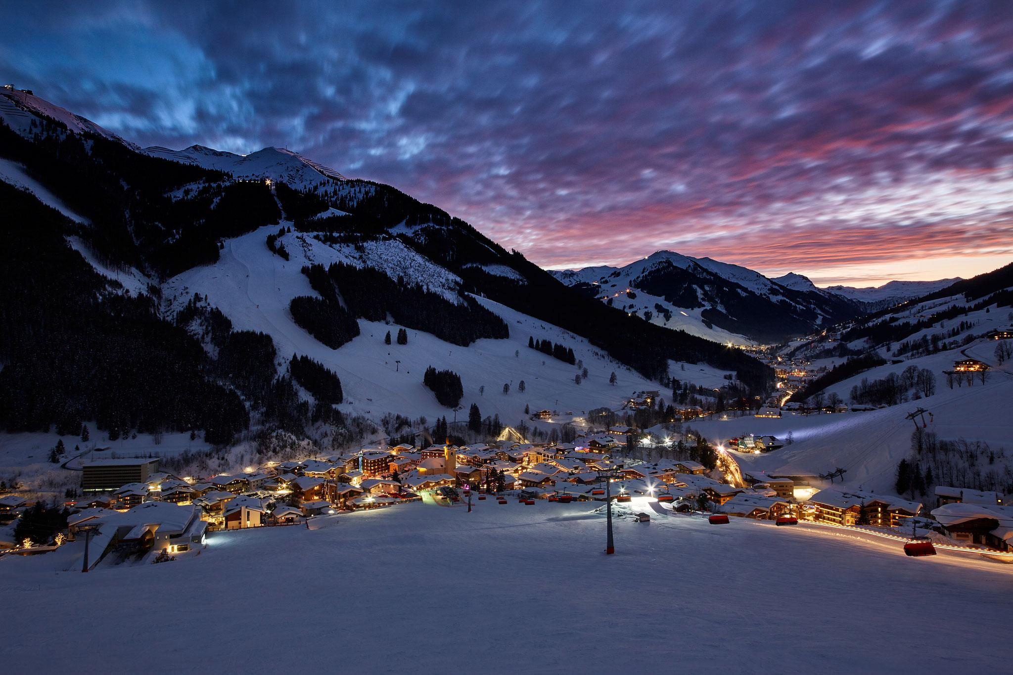 Saalbach bei Nacht