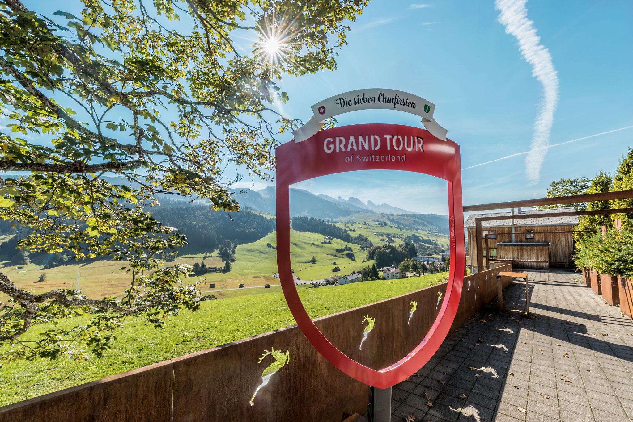 Ins Auto setzen und losfahren - auch die Schweiz bietet wunderschöne Flecken
