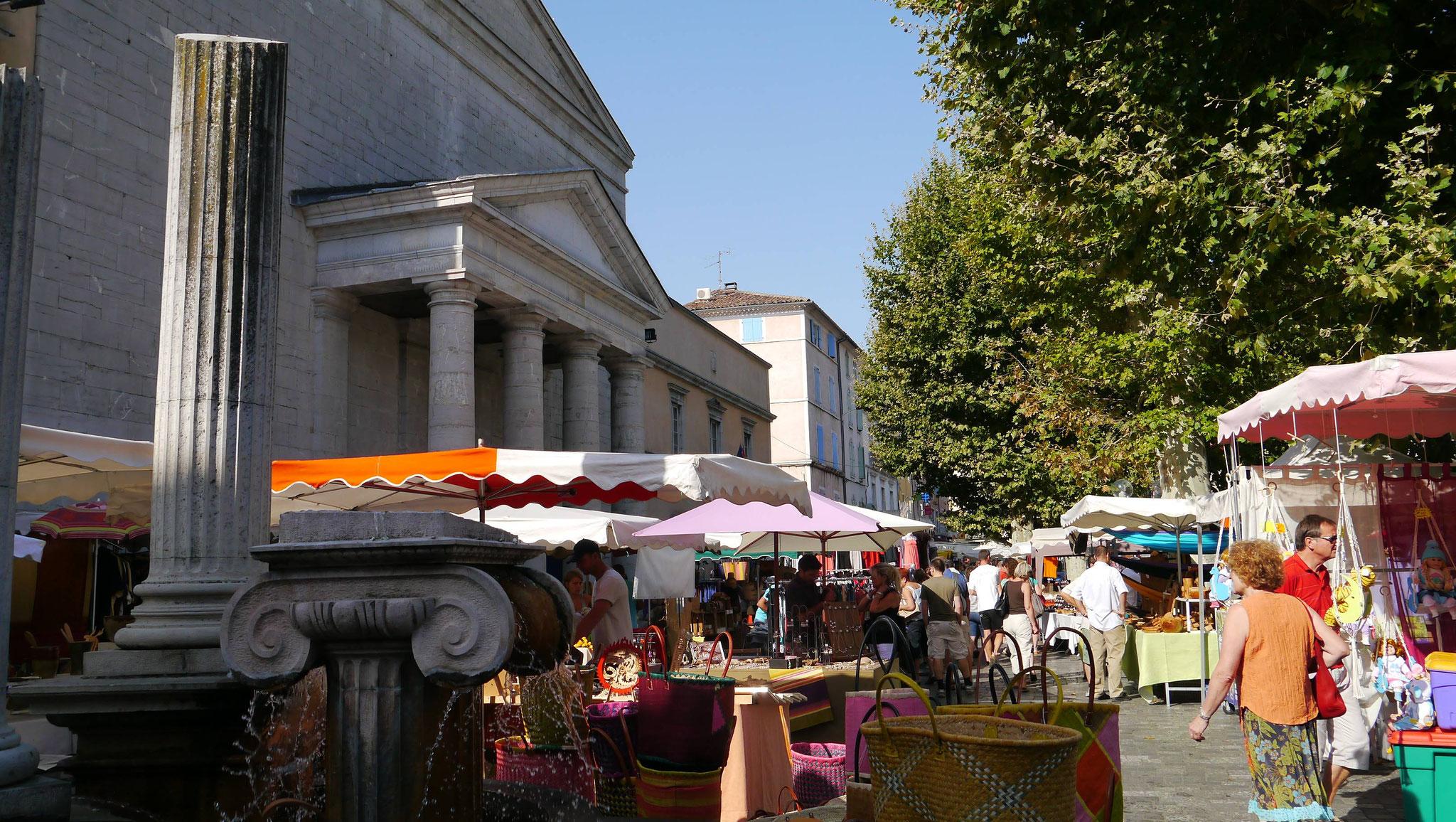 Le marché d'Anduze-Gard
