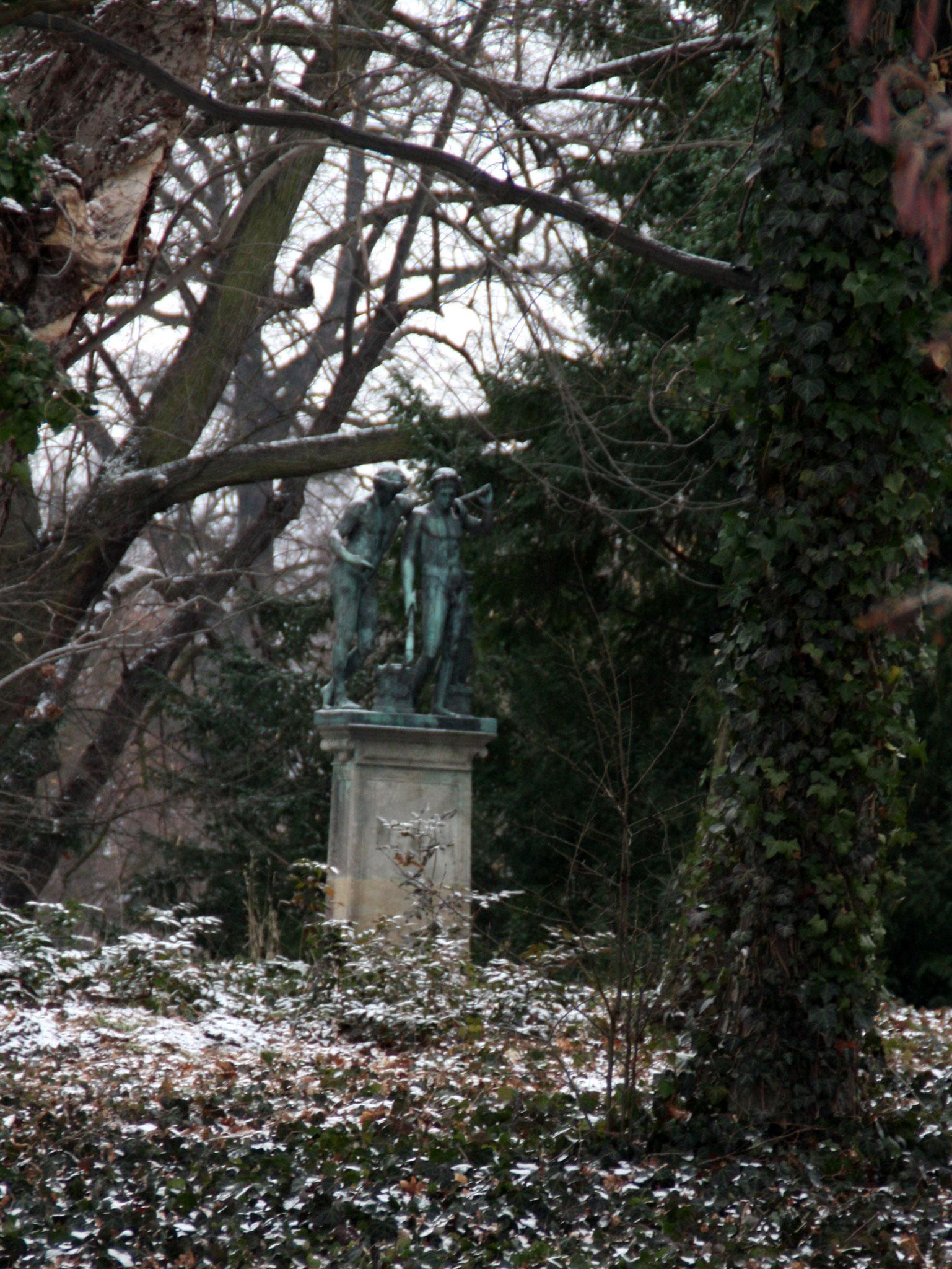 Naturlandschaft mit Kunst. Schlosspark Charlottenburg im Winter. Foto: Helga Karl