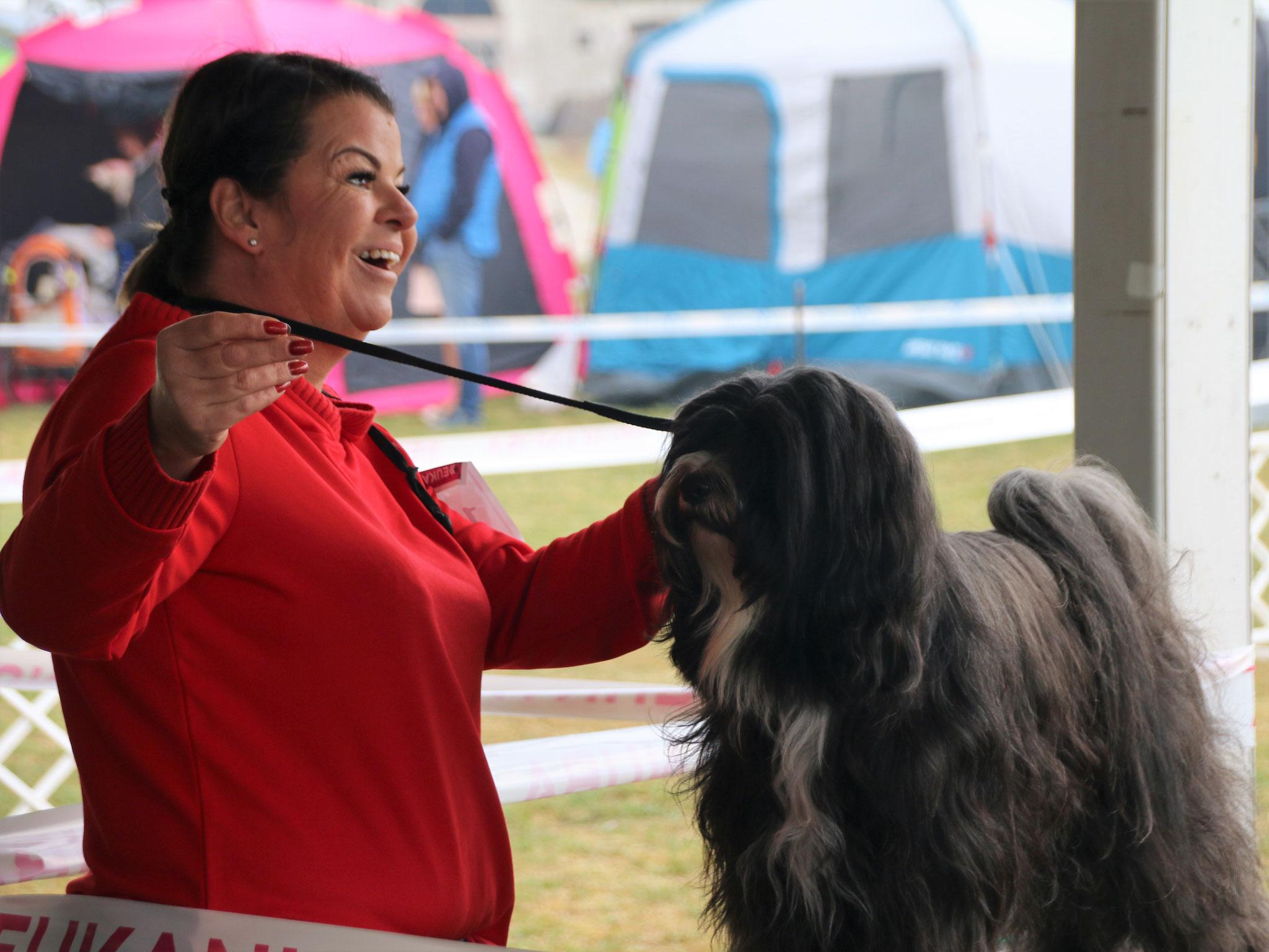 Manuela mit Cham-ba im Oktober in Komarom