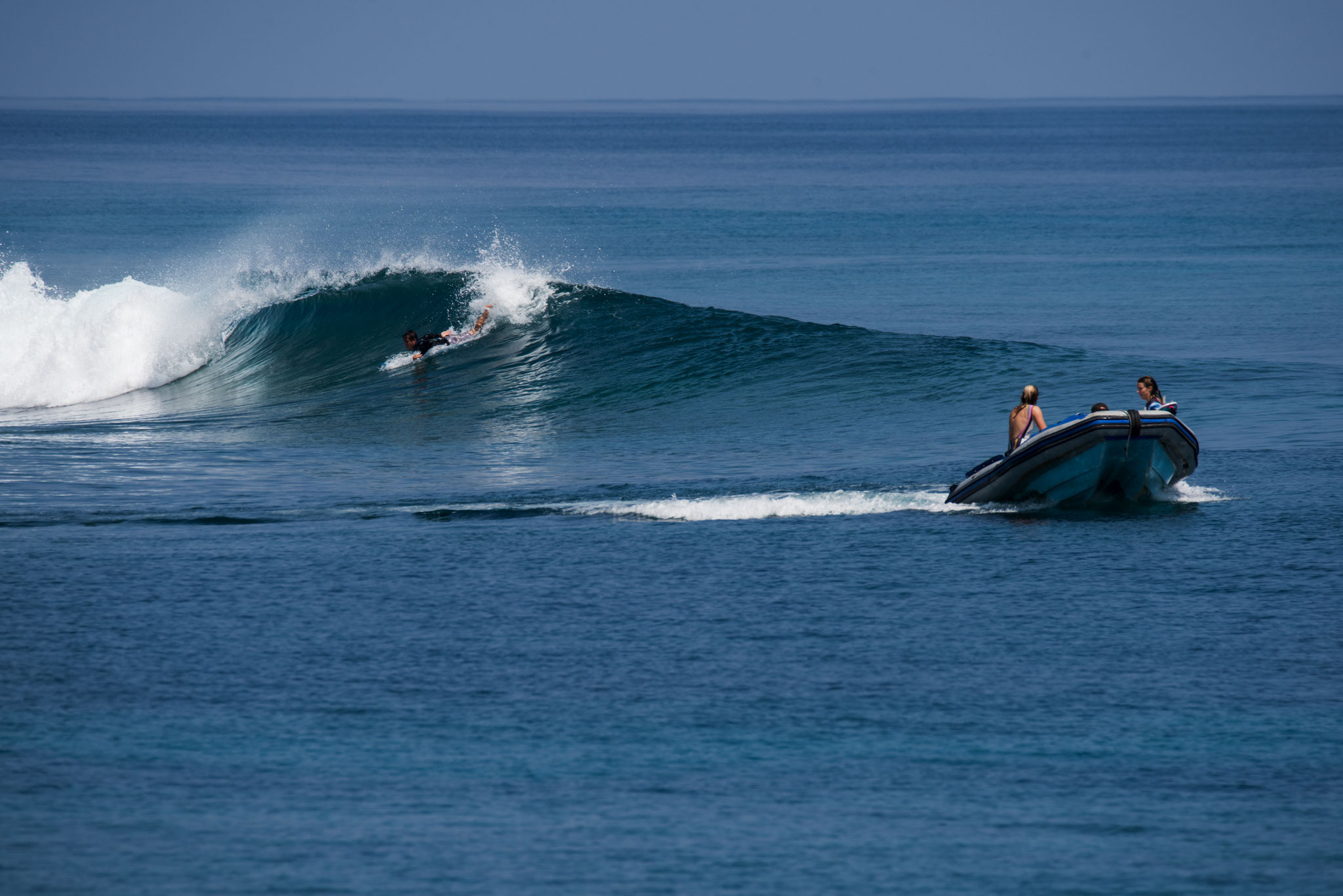 Surf coaching in great waves