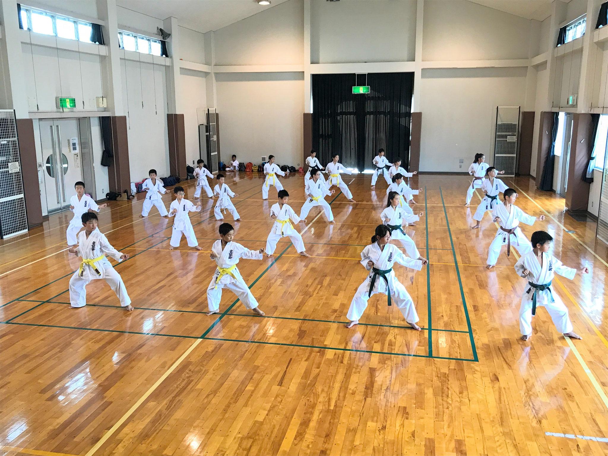 北方町空手クラブ 練習風景 平安弐段