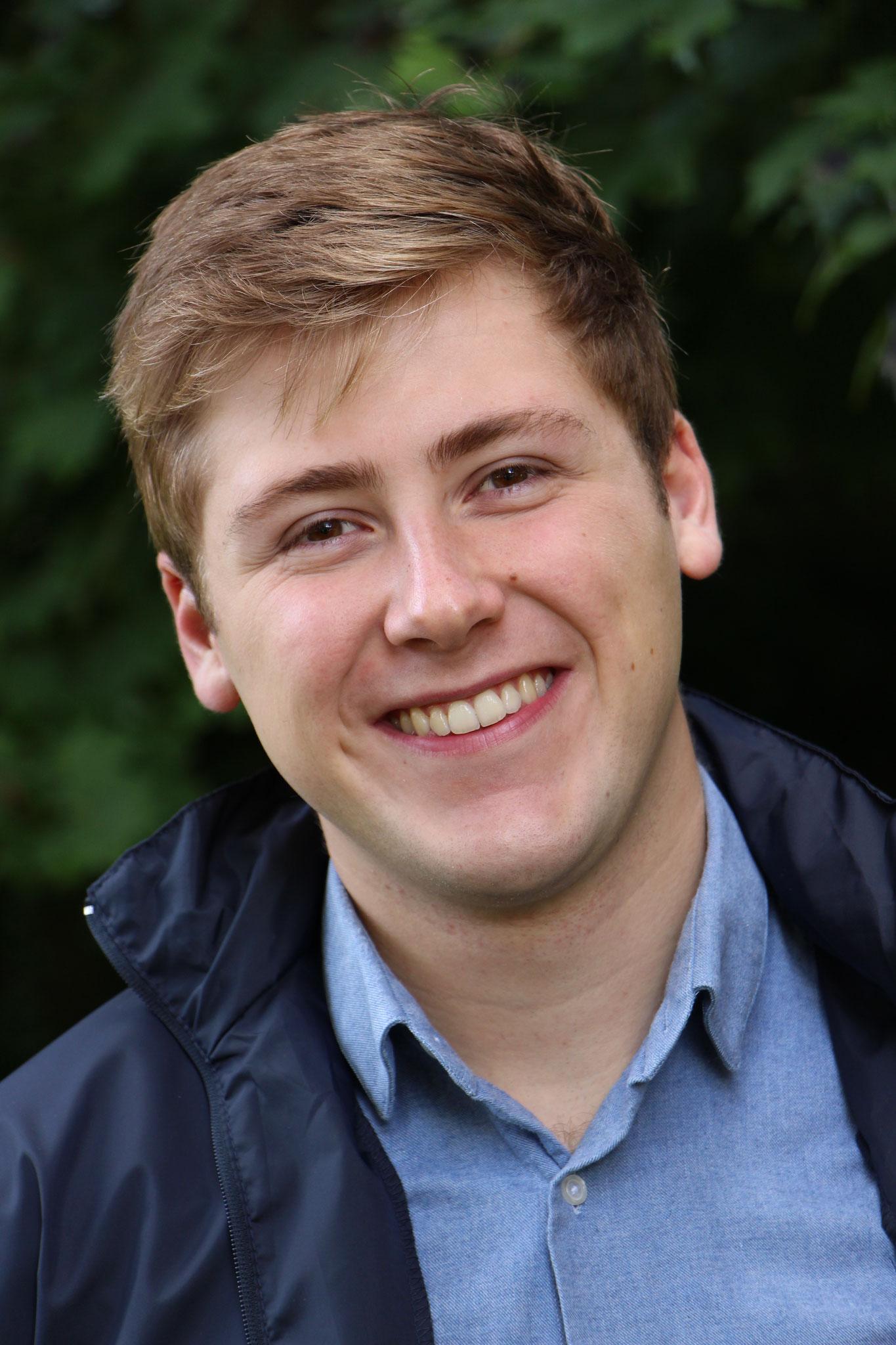 Jean-Baptiste Dufour, 21 ans, Consultant Marketing, chef de projet