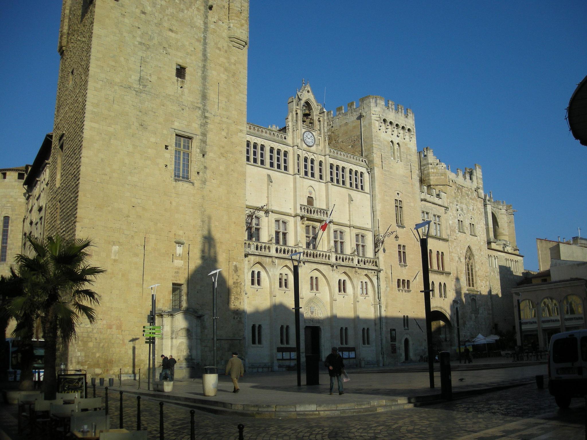 Le Palais des archevêques et le donjon Gilles Aycelin