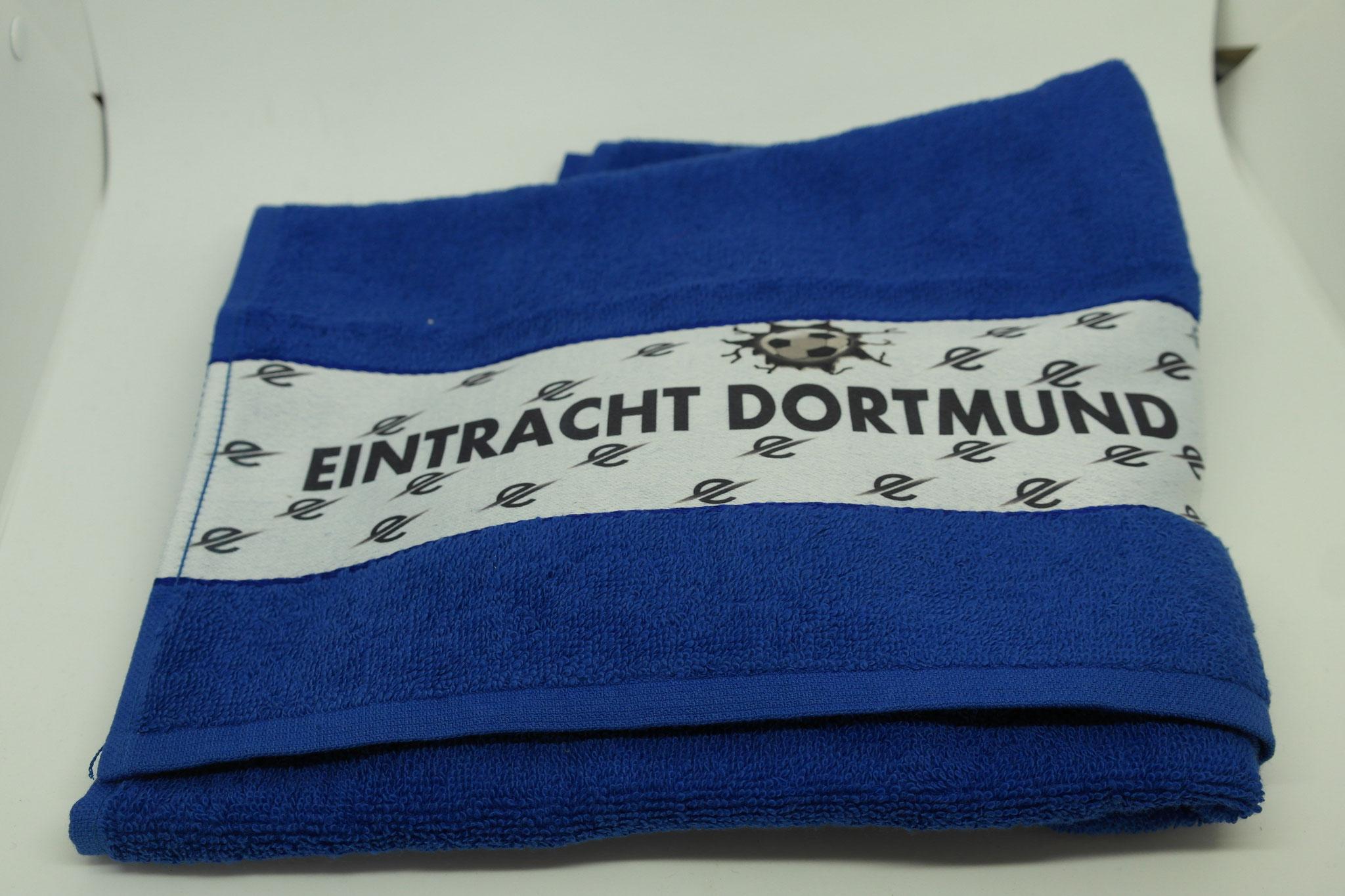 bedruckte Handtücher mit Vereinsname, Logo, Trikotnummer oder Initialen