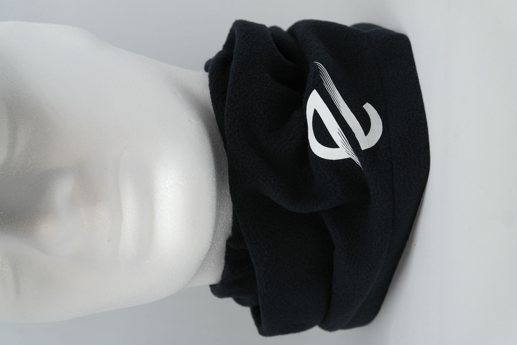 Loops mit Vereinsname, Logo, Trikotnummer oder Initialen