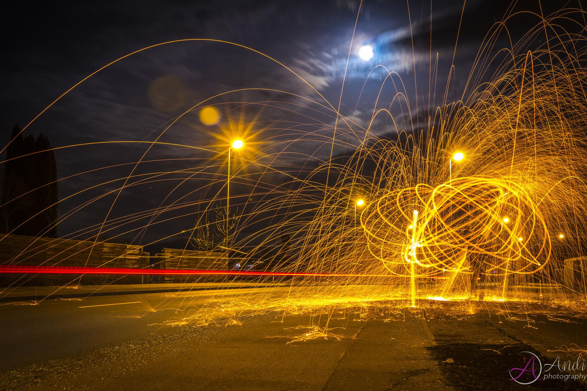 Lightpainting mit Stahlwolle in der Wasserburger Strasse