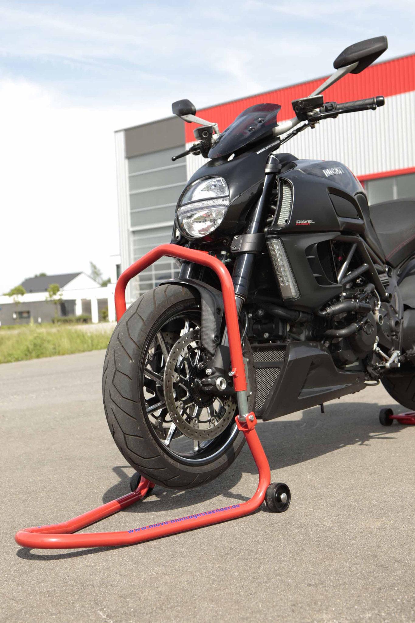 Frontständer Aufbocken Motorrad