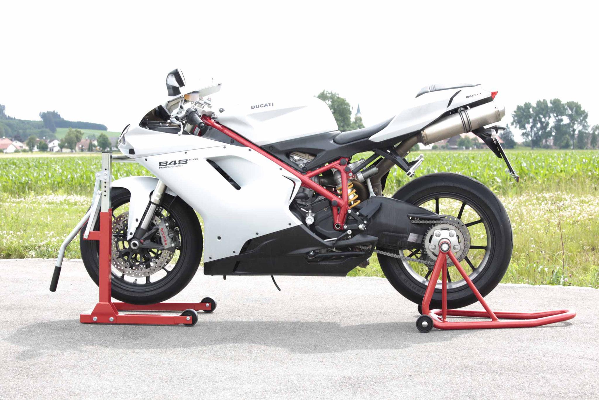 Aufbocken Motorrad Ständer