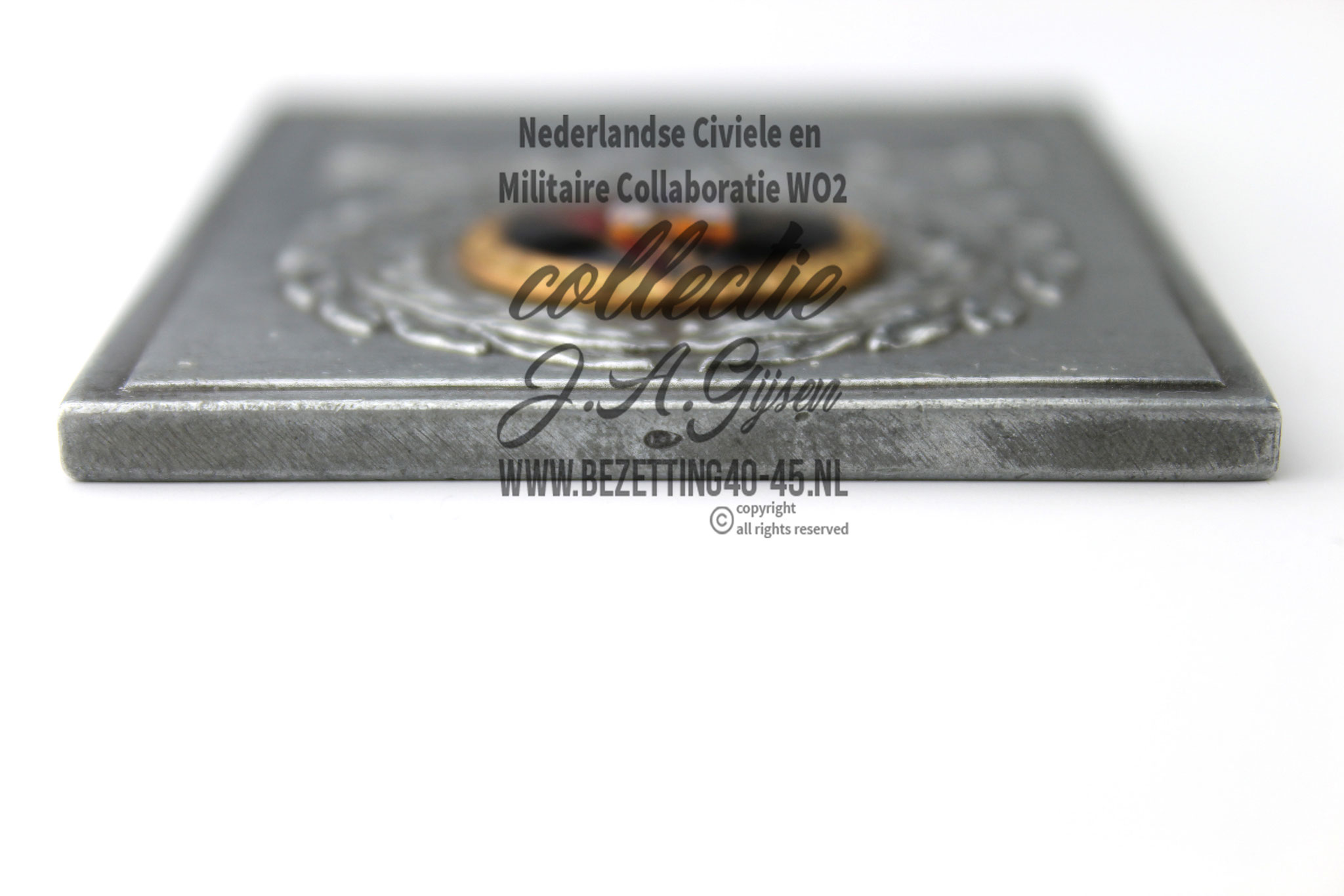 Plaque for Next-of-Kin of Fallen Dutch SS NSB Combat Sacrifice plaque Strijd en Offer Plaquette makers teken.   ( NSB Badge Pin Medal )