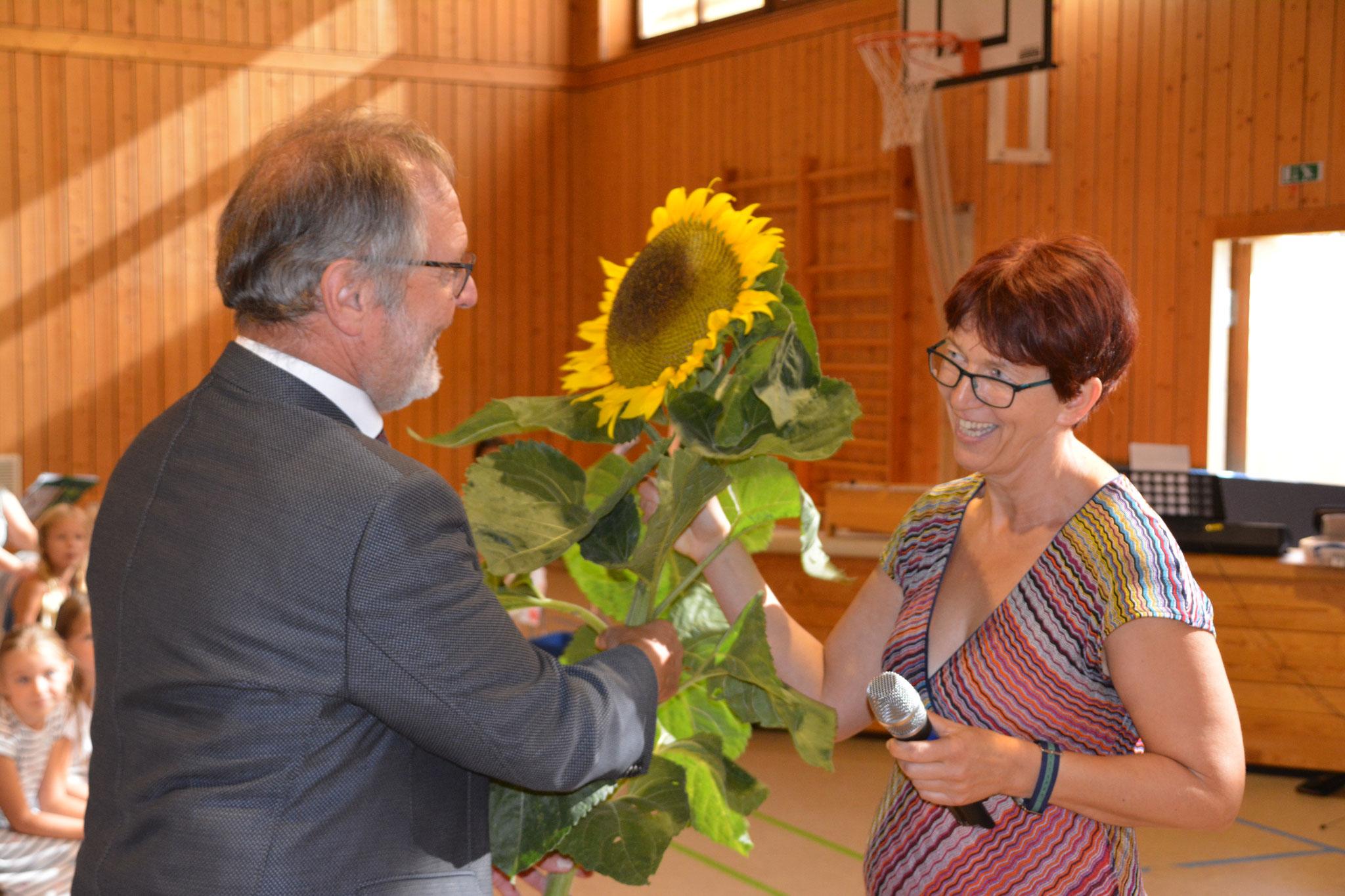 Heike Gollek sagt es mit Blumen