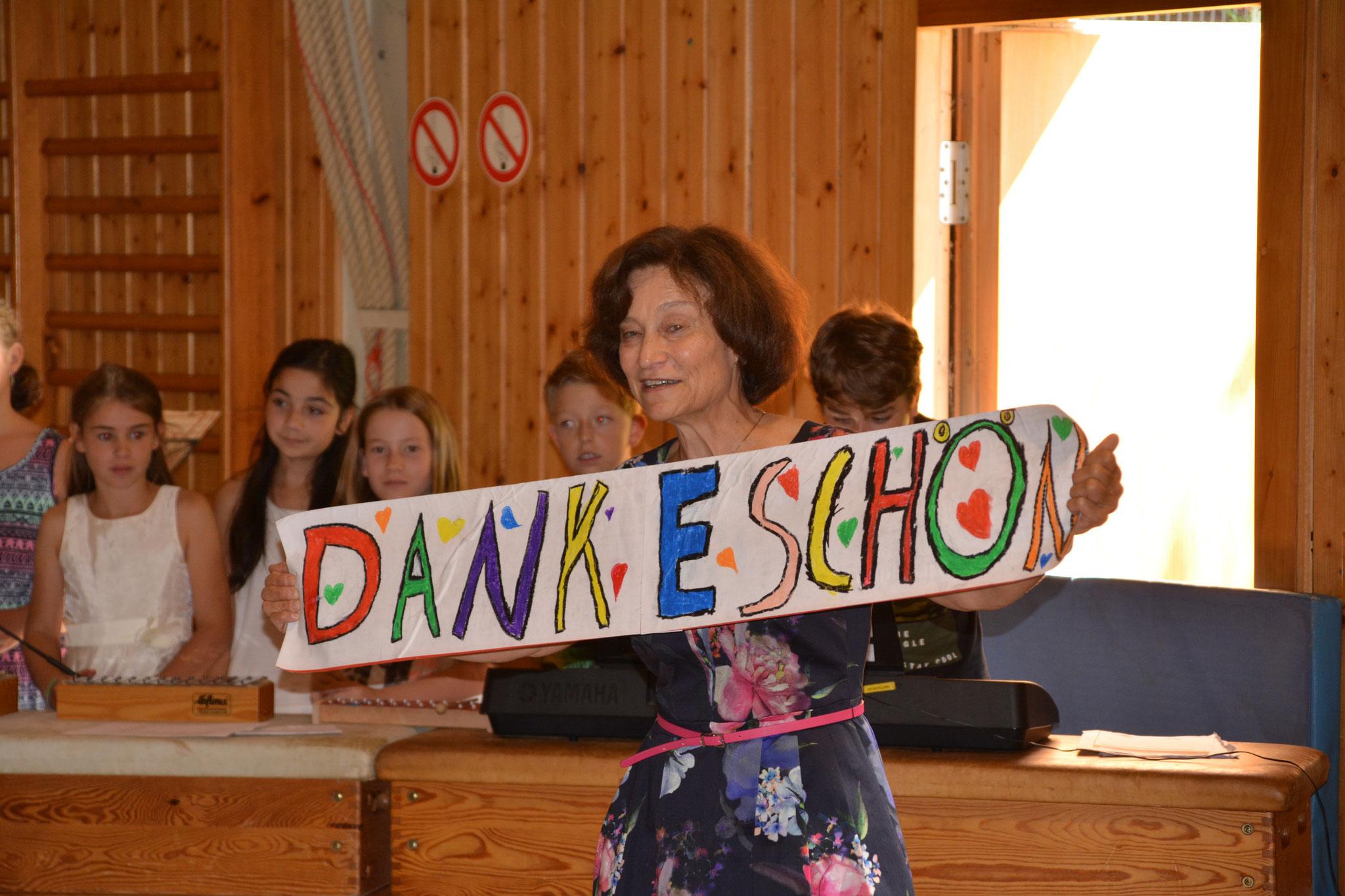 Paula Seidl erntete den Dank ihrer Schüler