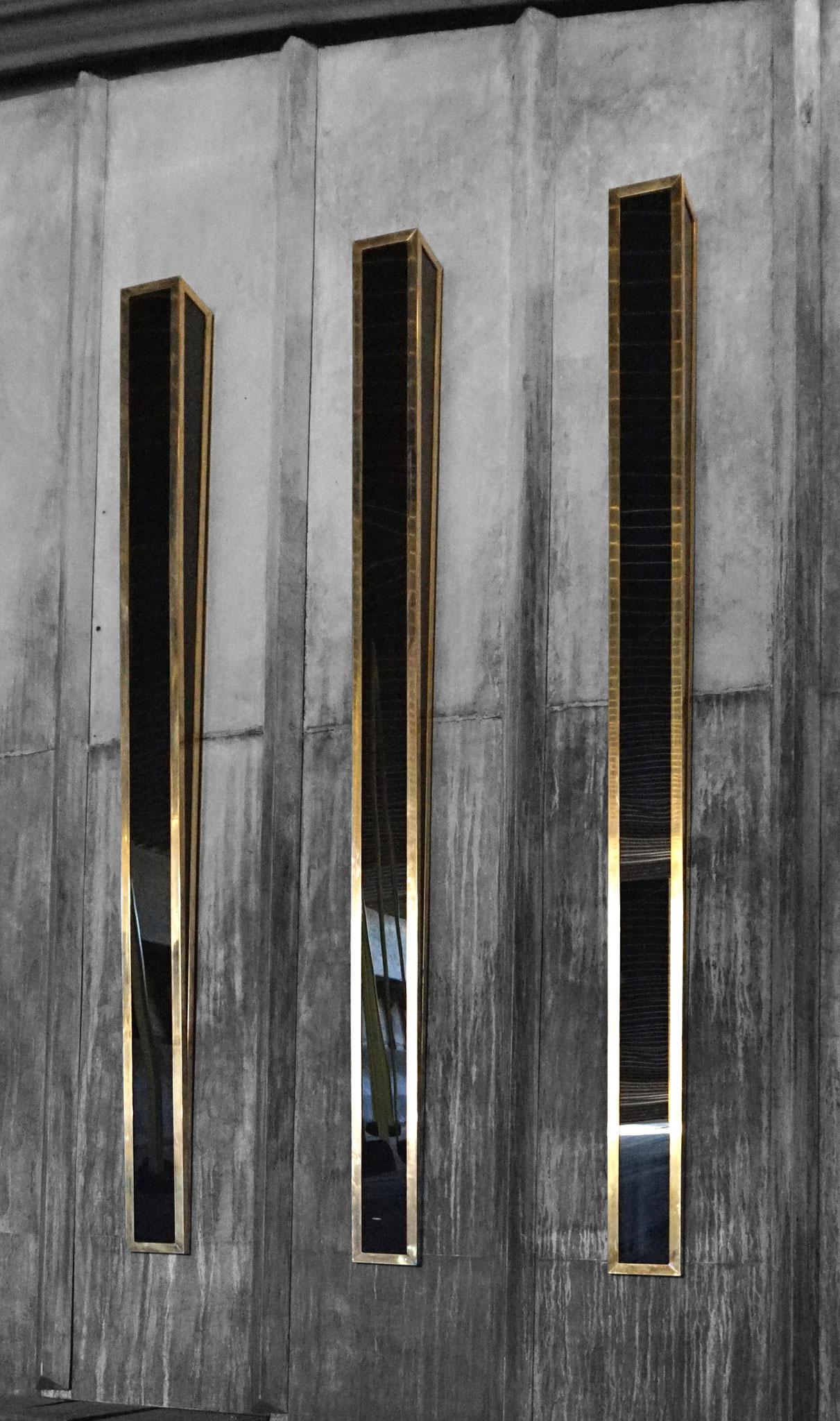 W.No.2 | 197 x 13 x 13 cm | brass, acrylic glass