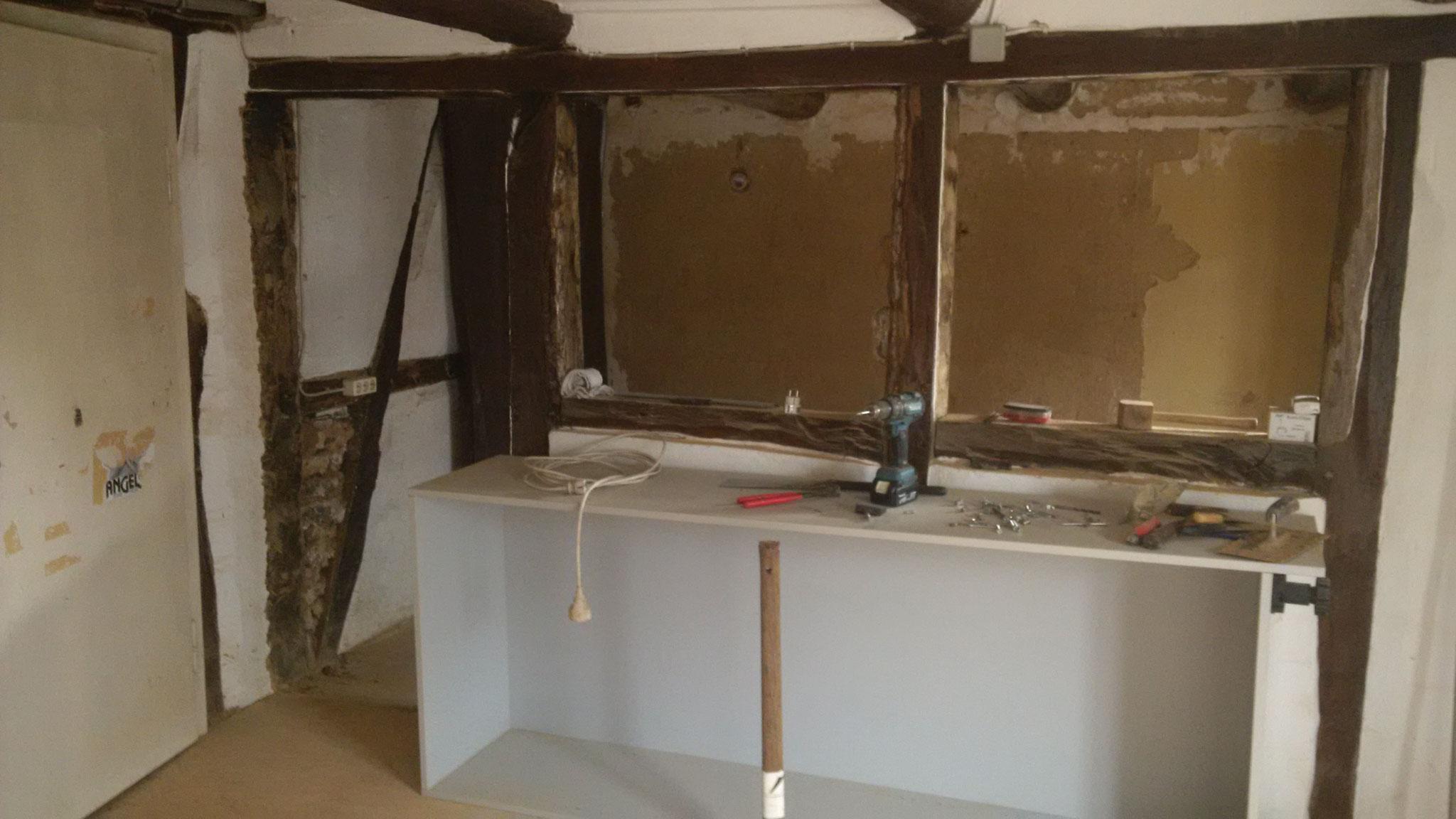 Der Durchbruch von der ehemakligen Küche (nun Esszimmer) aus in ein ehemaliges Kinderzimmer (nun Küche)