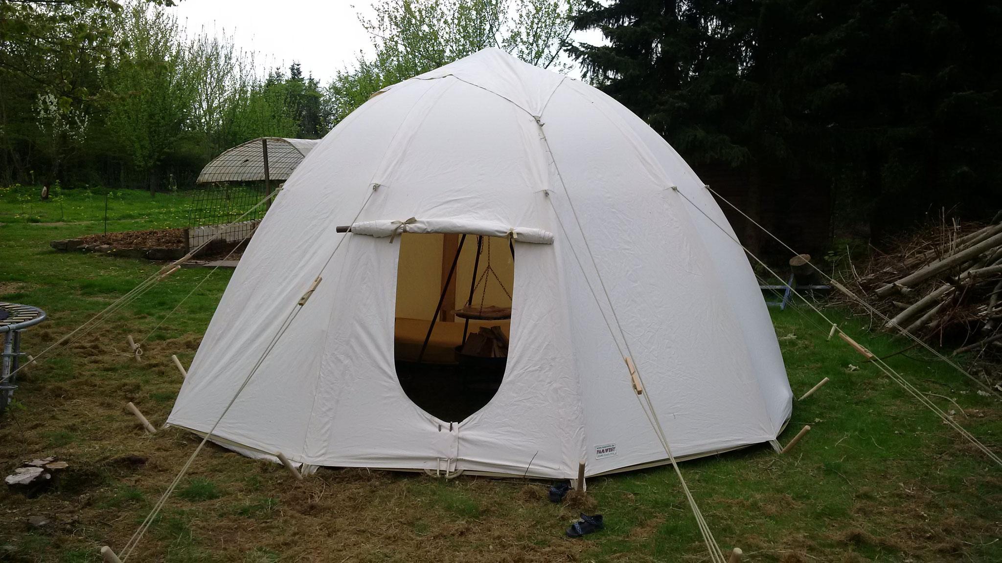 Unser neues Zelt. Ein Wigwam.