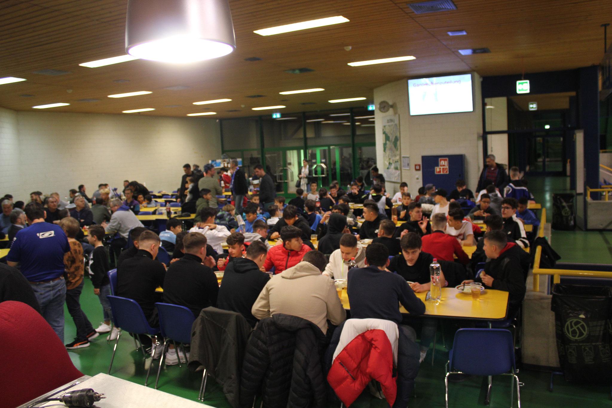Rund 150 Gäste anwesend
