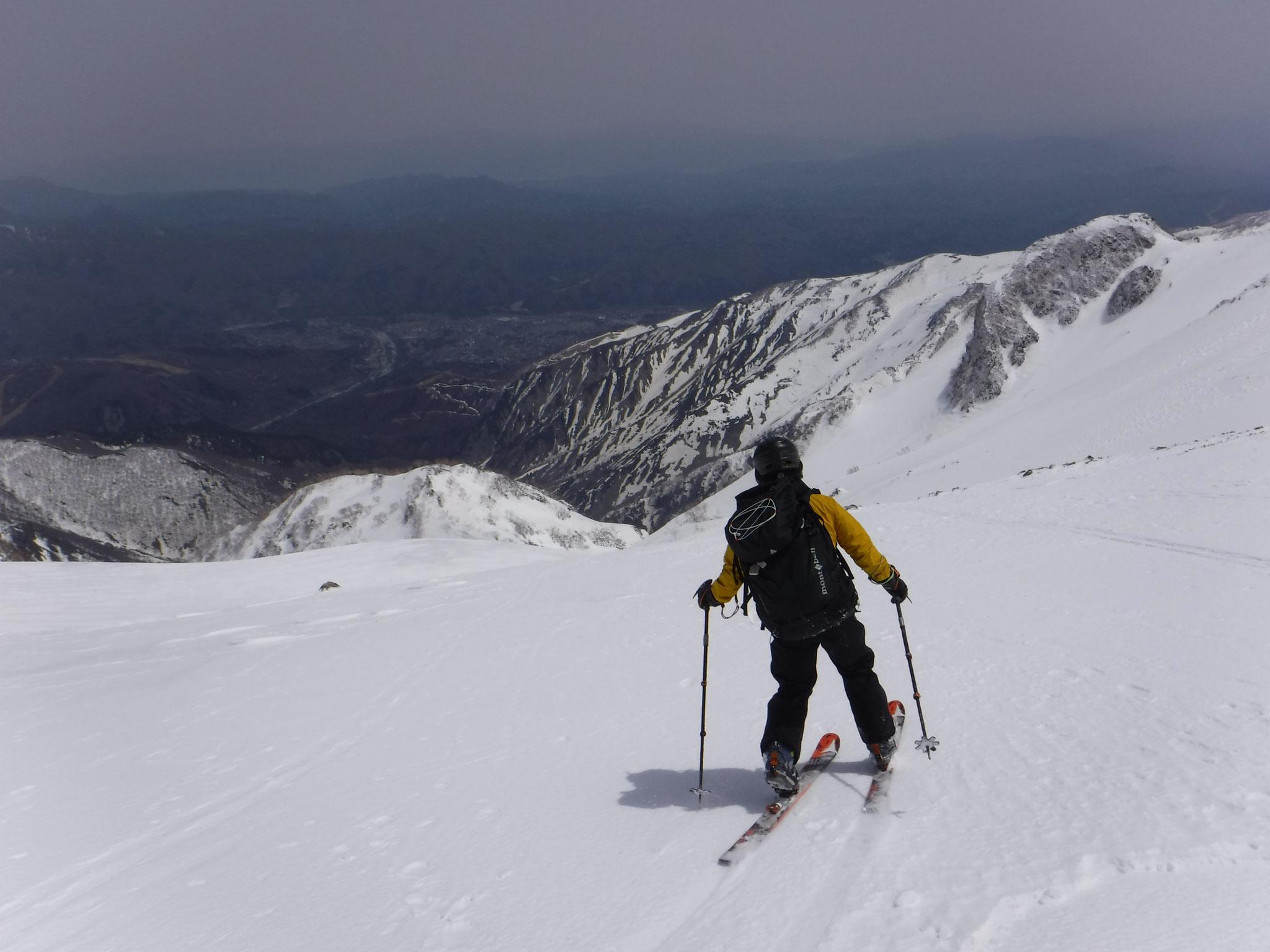 雪質良く、快適な滑り、山スキー2回目のI崎さん