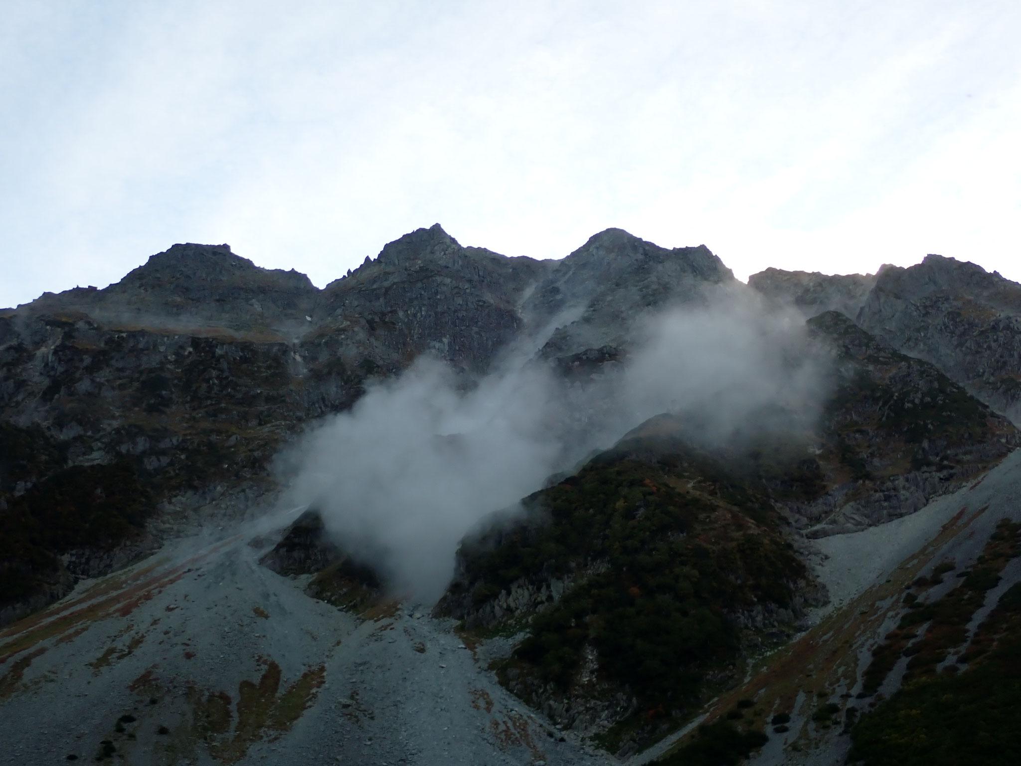 9/19 17:20頃、強い揺れの後、不気味な岩崩の音が響く