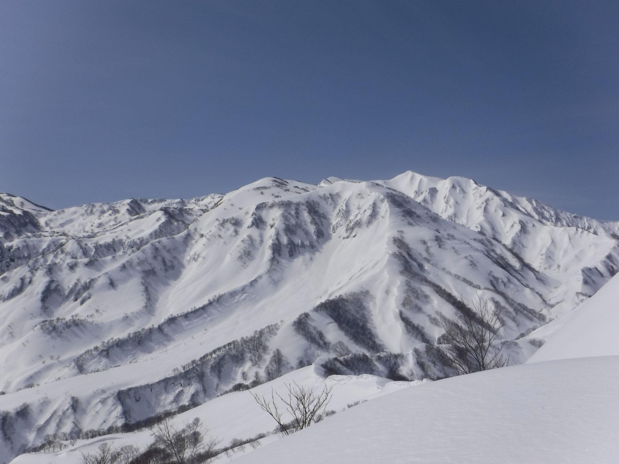 容雅山、山頂直下より火打山方面 10:07