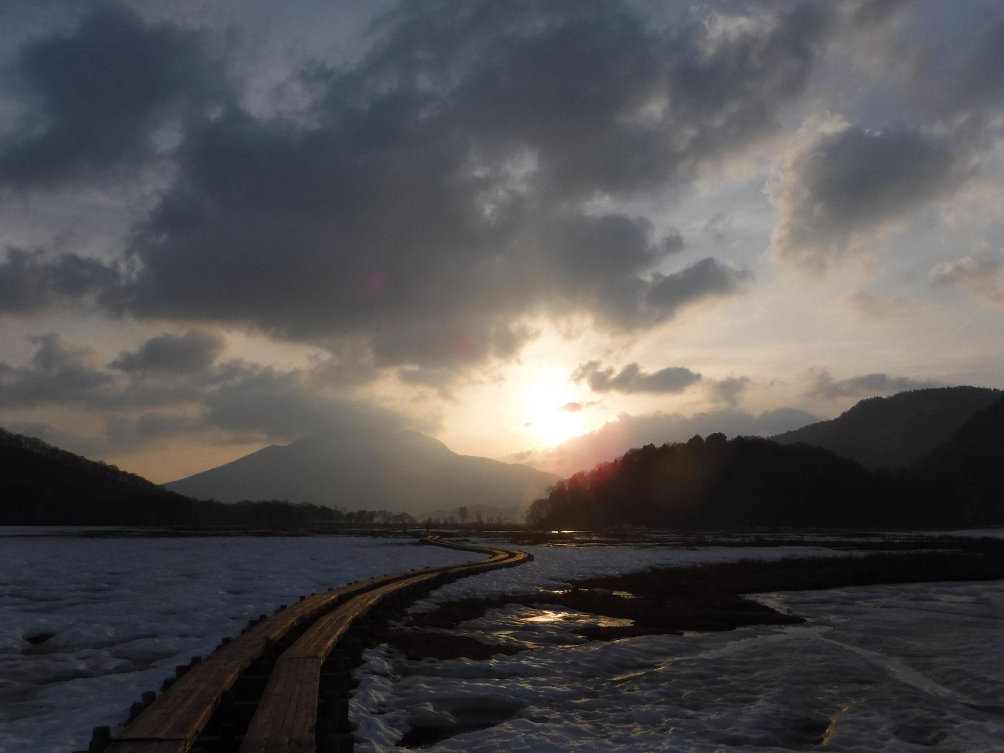 5:25 燧ケ岳からの日の出