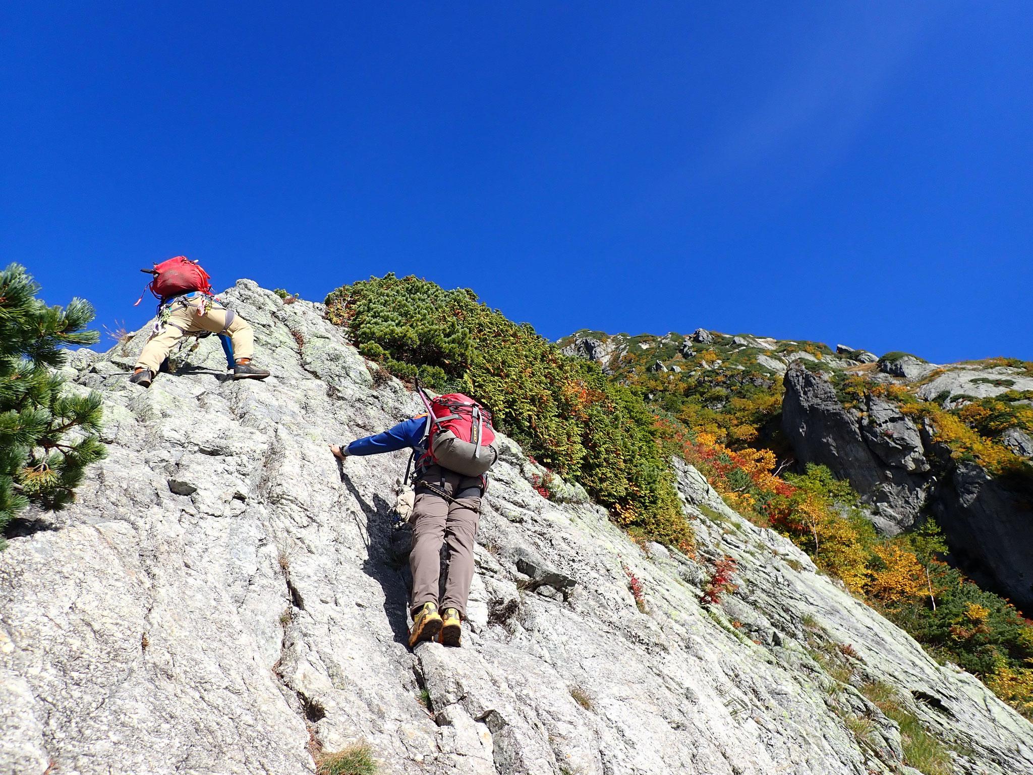 9/24 8:40 2350m付近、すっきりした岩場になってきた