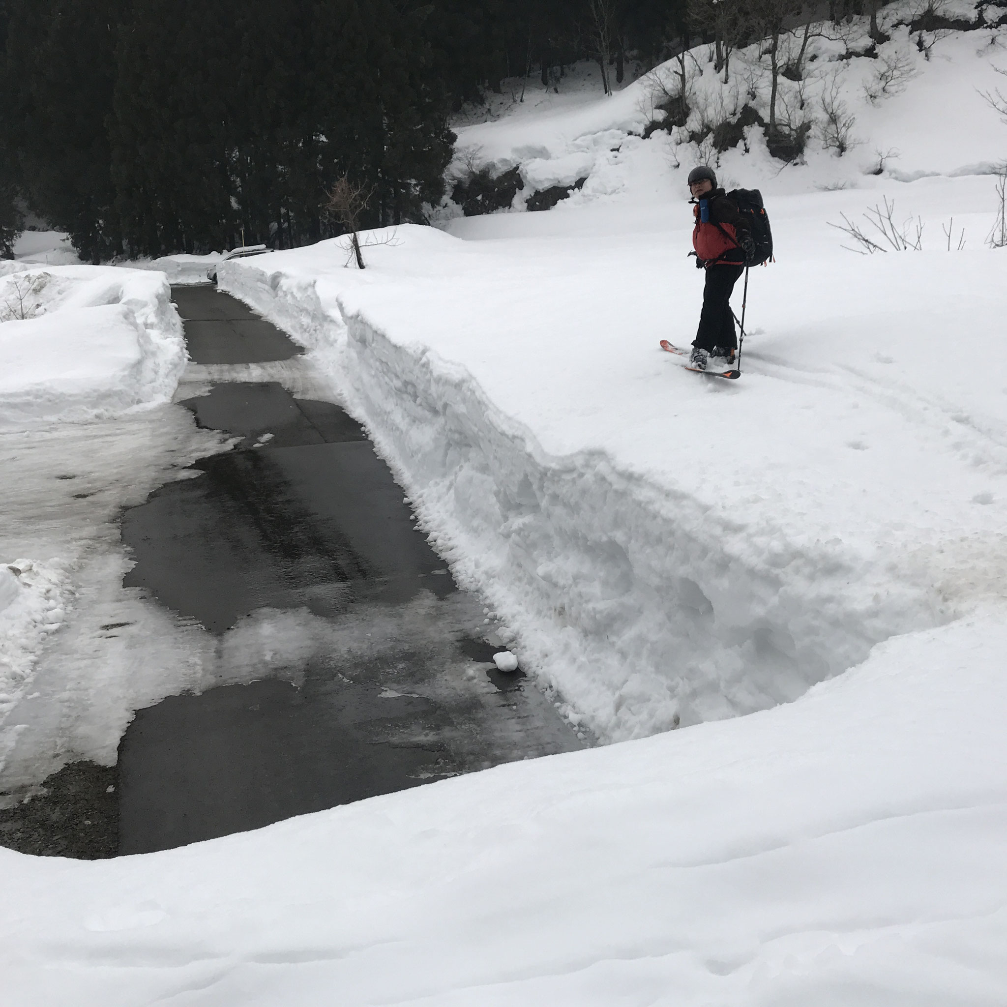 広堀川橋付近は積雪2mほどか