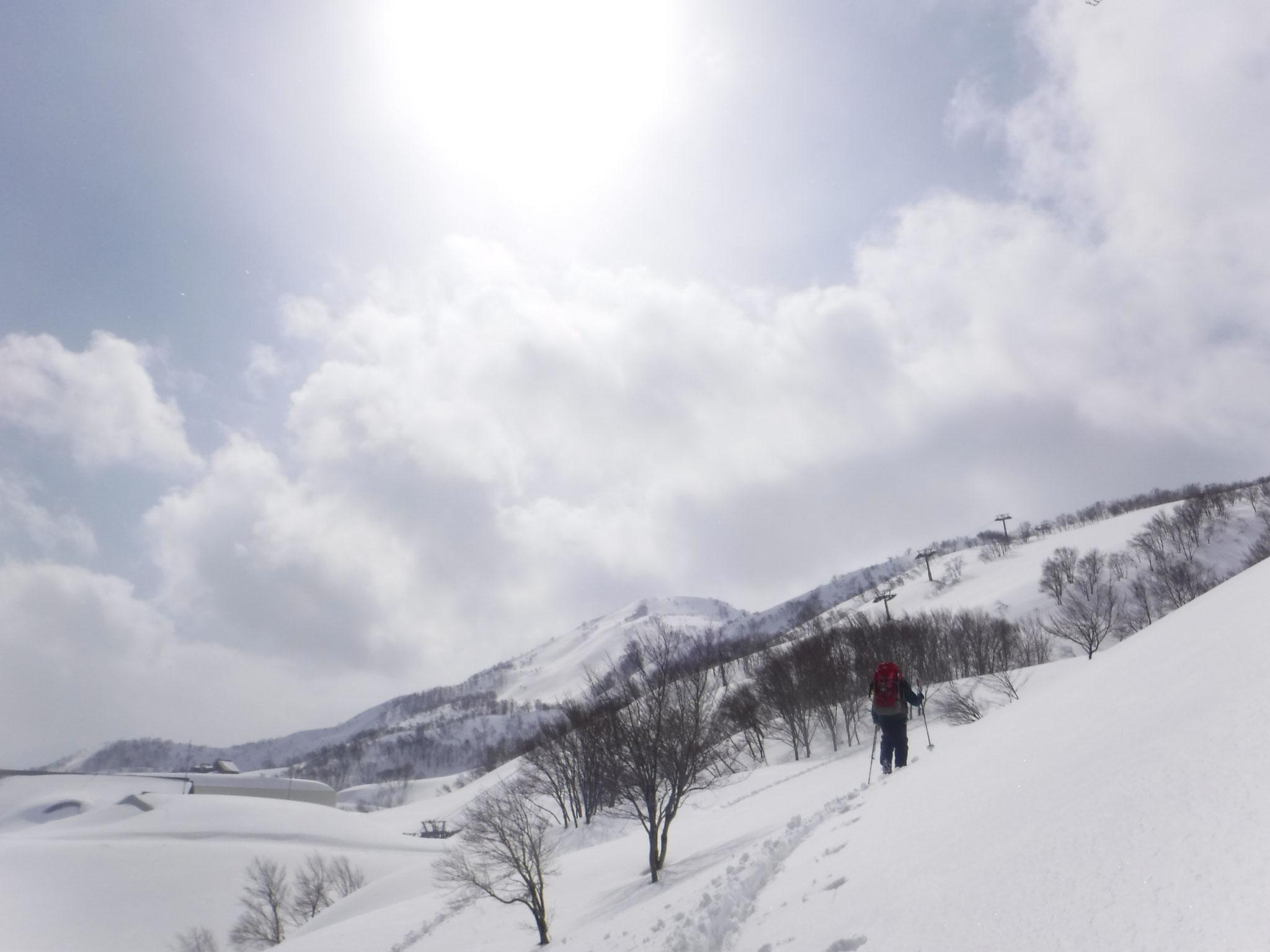 来シーズン再開するという、スキー場 13:09