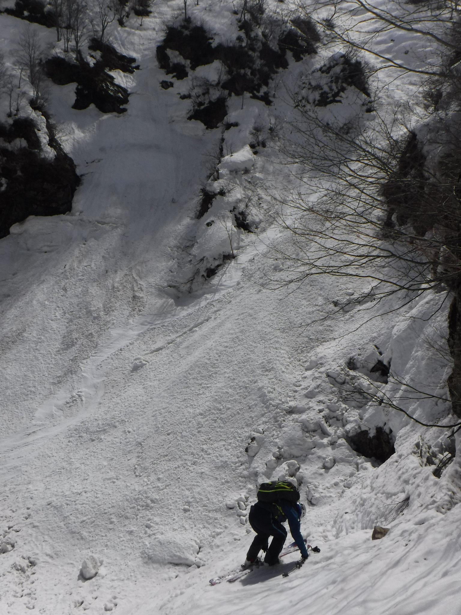 板を外して、南滝を下る