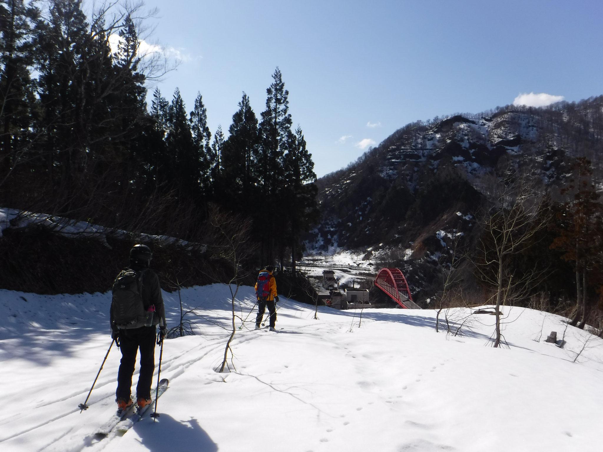14:30 登山口までもう少し