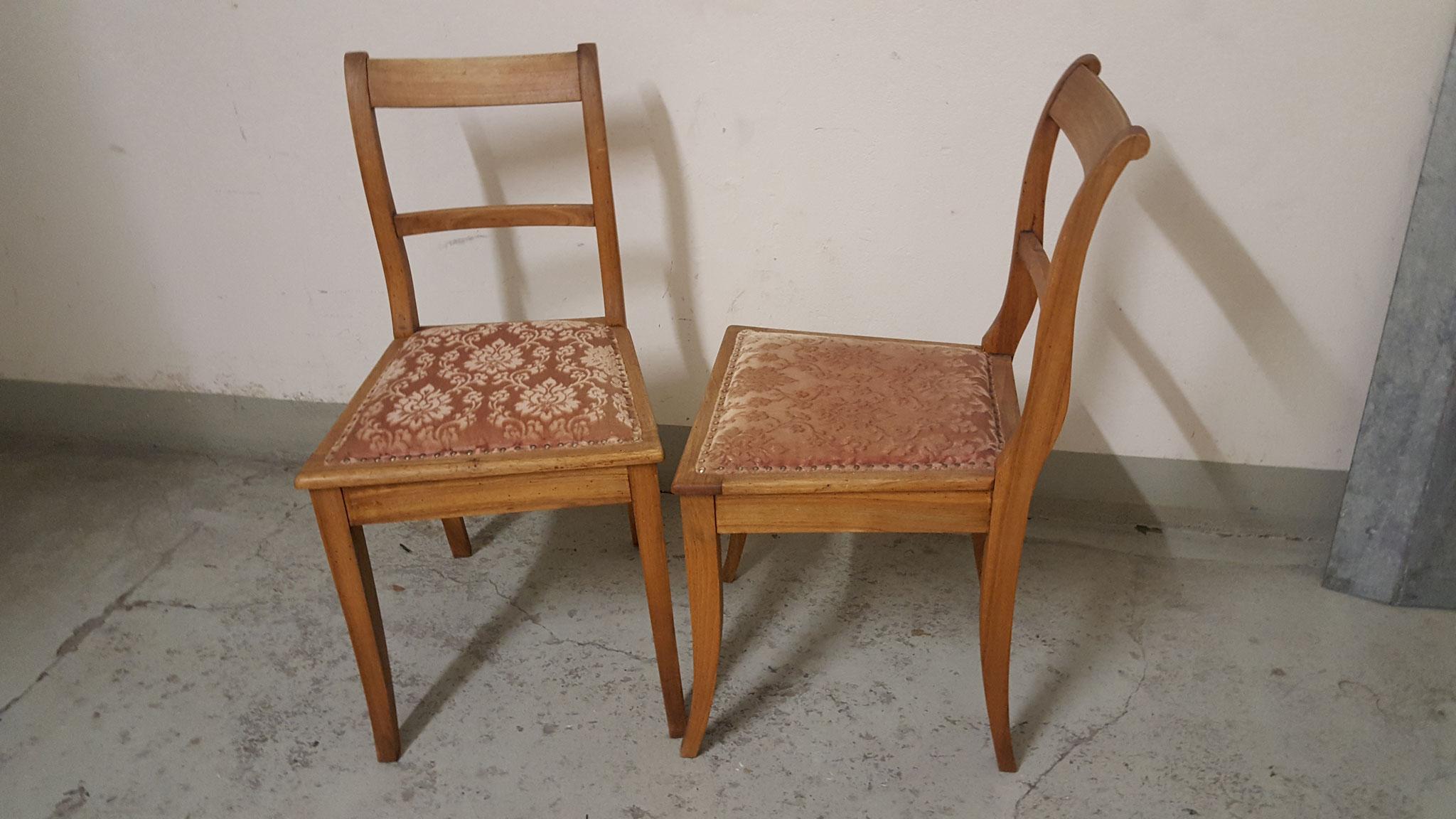 Gepolsterte Stühle geleimt