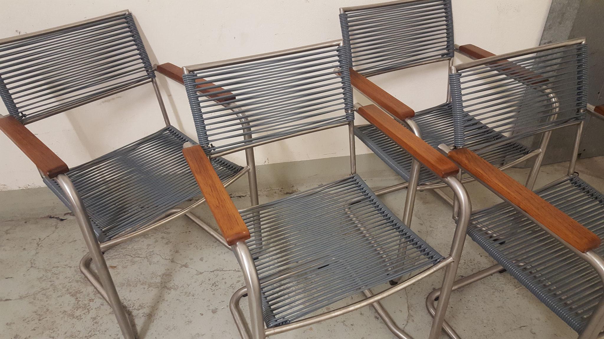 Gartenstühle aus Chromstahl mit Spaghettischnur