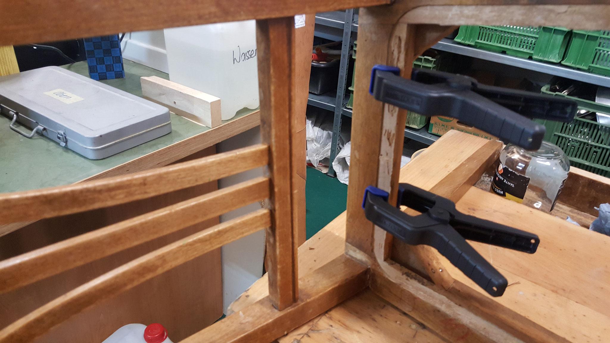 Holzstuhl restaurieren