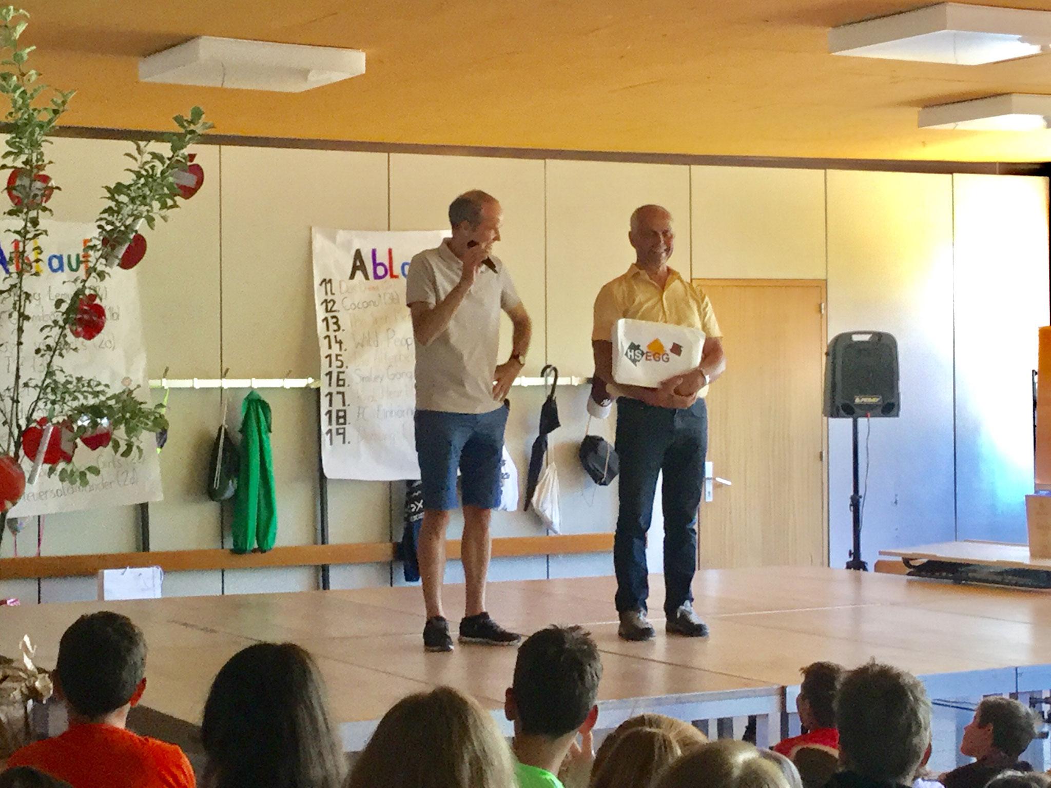 ein herzliches DANKE an Engelbert für seinen jahrelangen Einsatz  für Schüler, Lehrer, Eltern