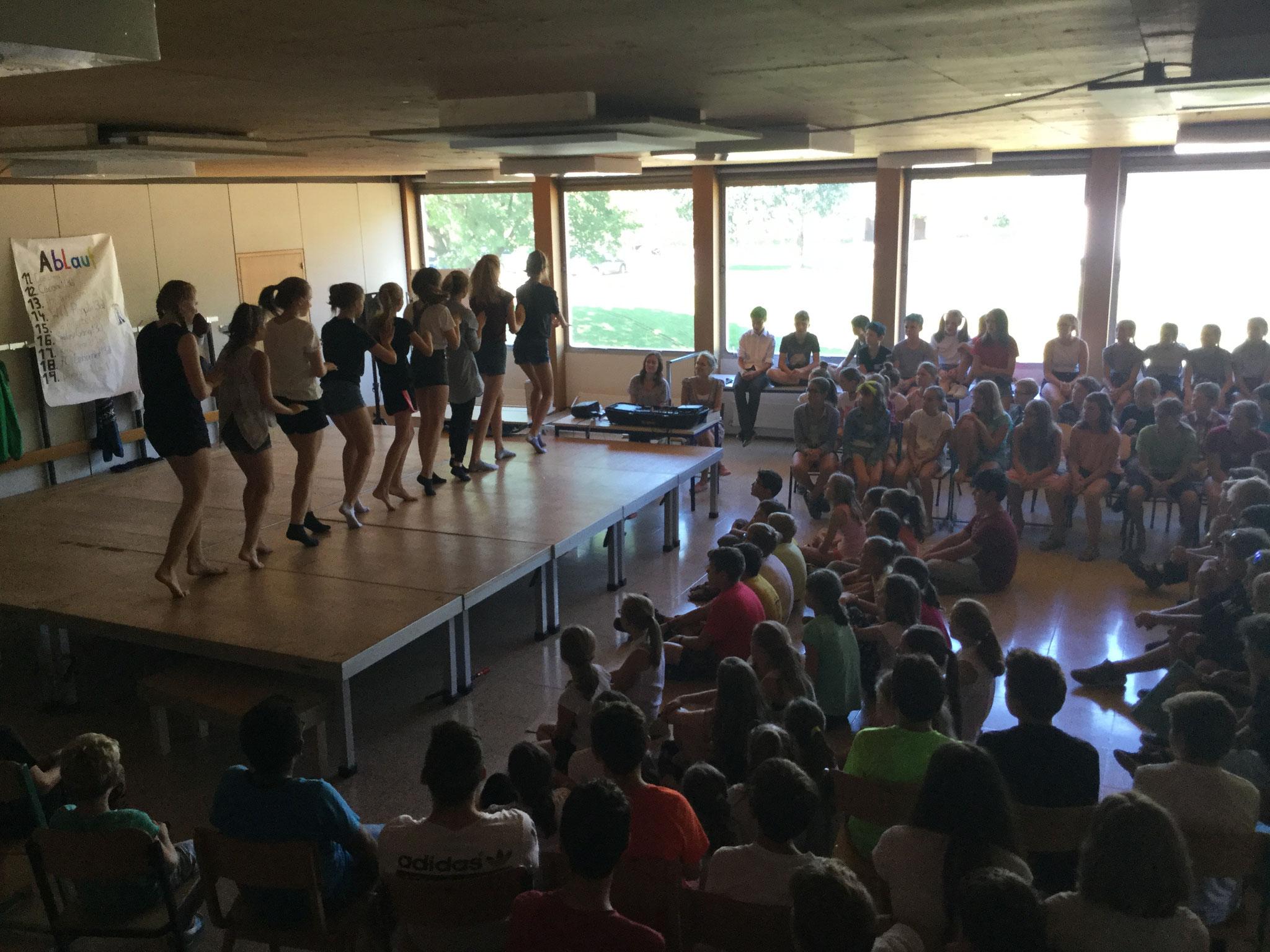 die Schüler und Lehrer hatten ein tolles Programm vorbereitet