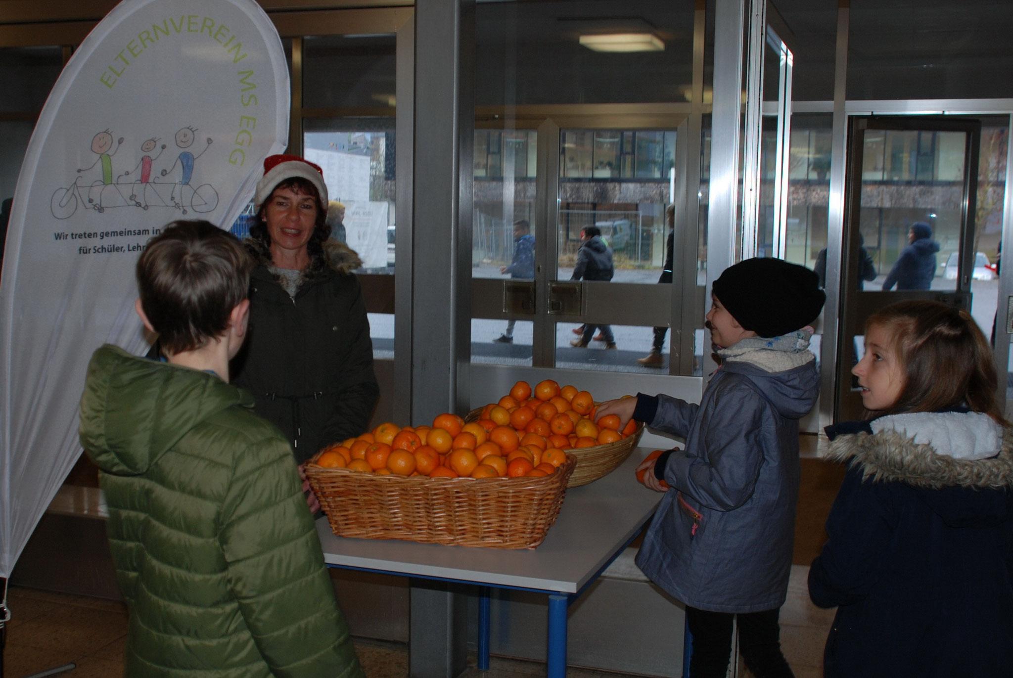 ...und Schüler freuten sich über den gesunden Snack