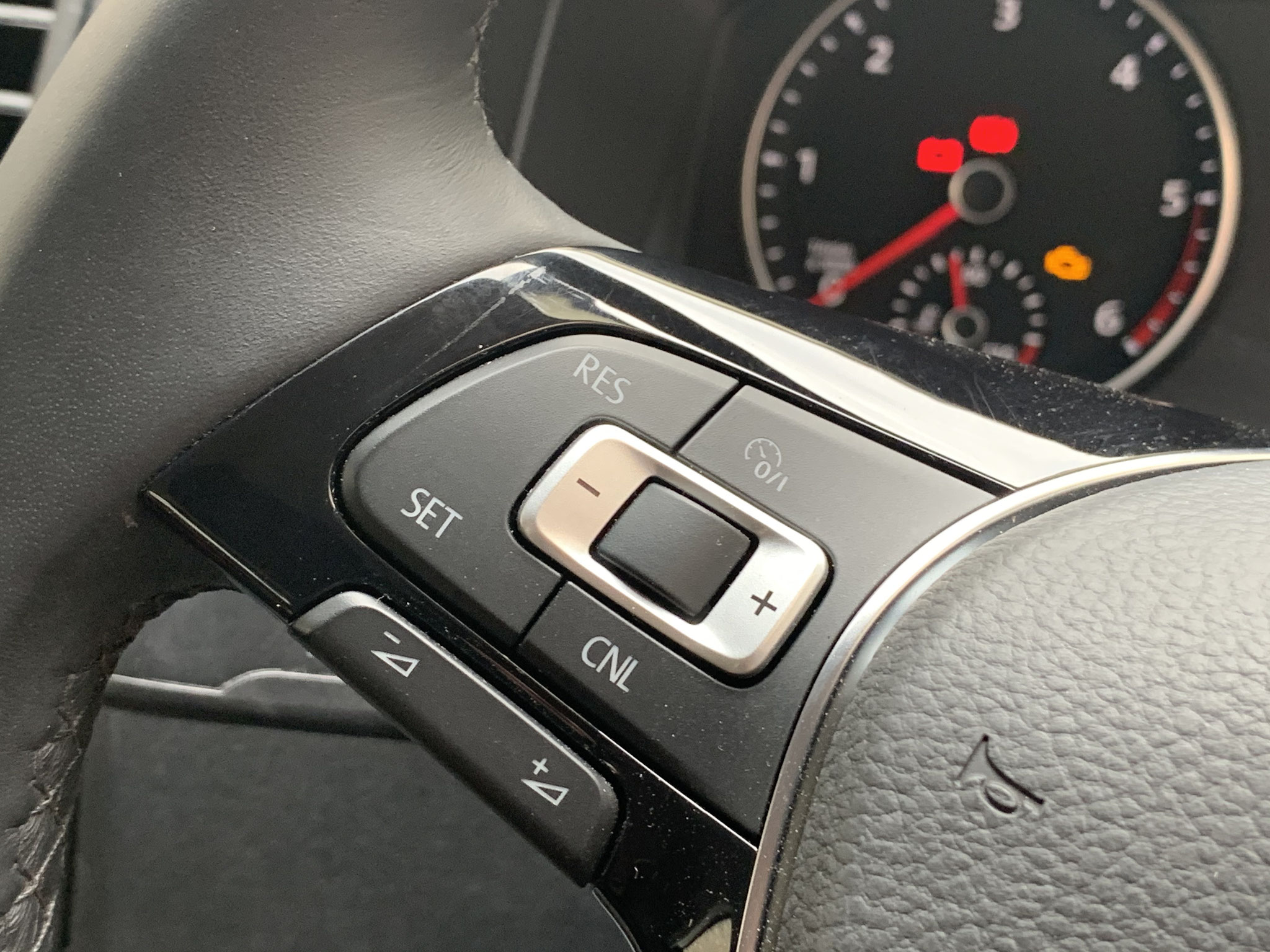 Cruise and audio controls