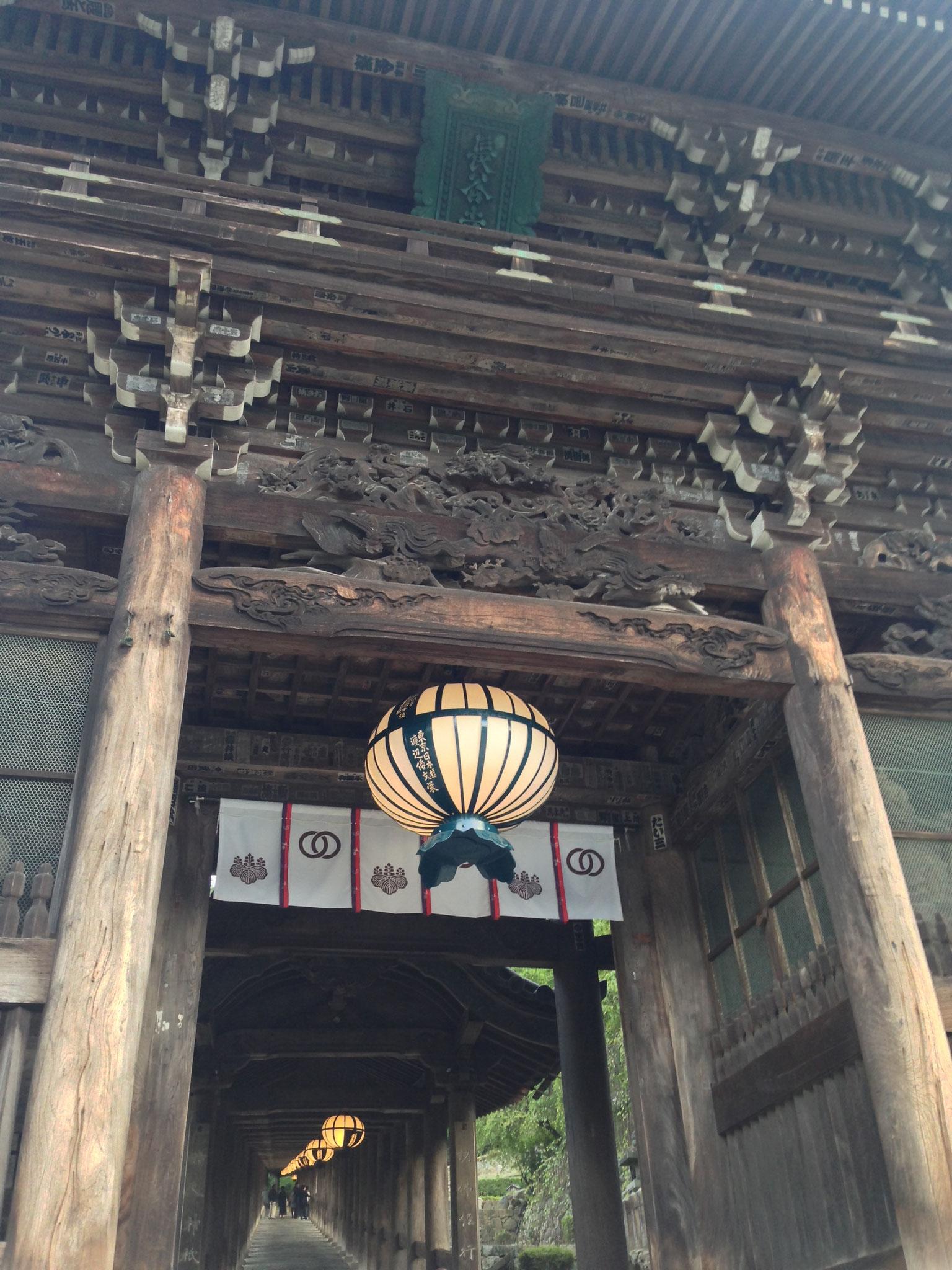 仁王門・長谷式灯篭