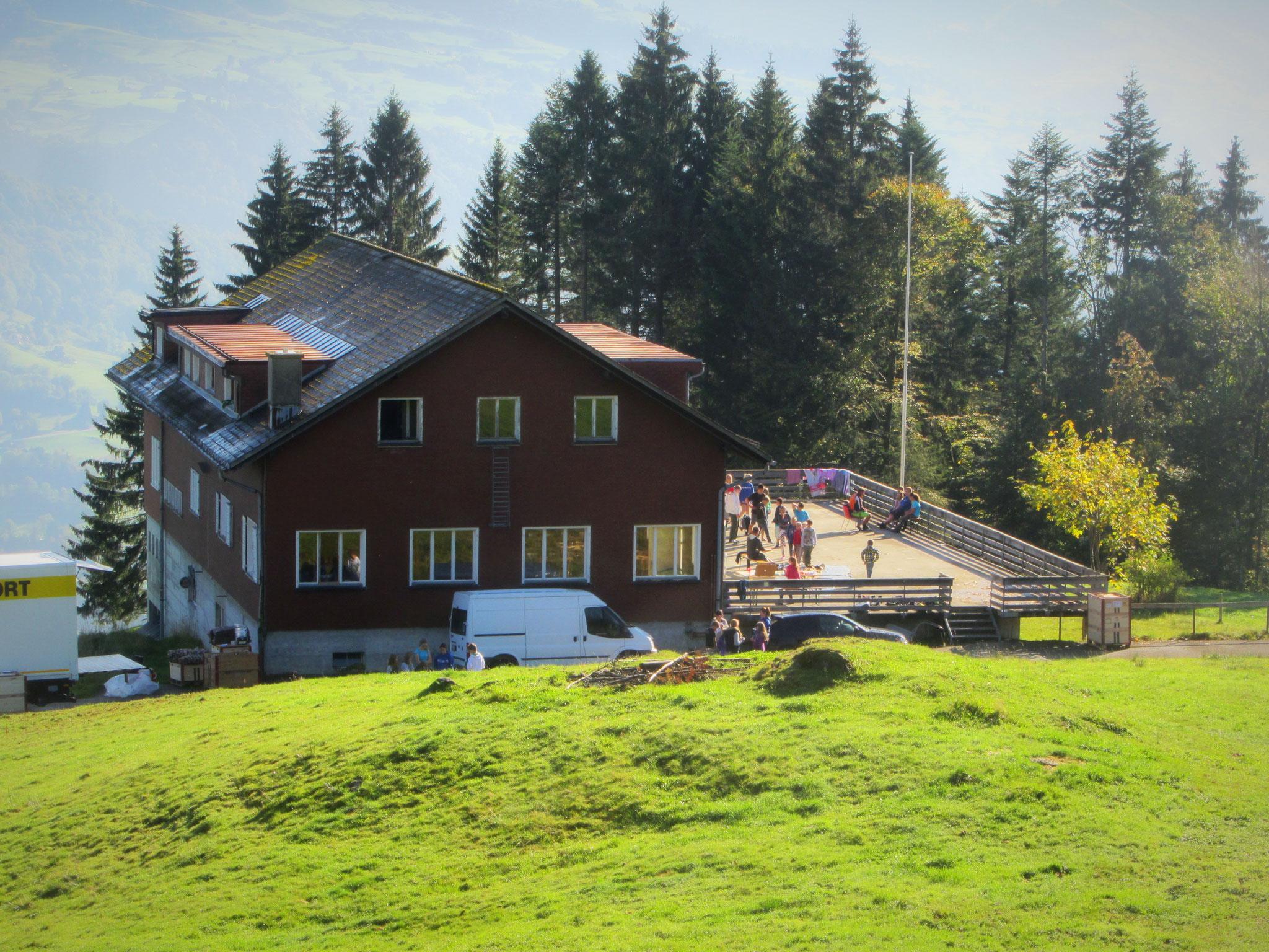 Lager im Berghaus Girlen