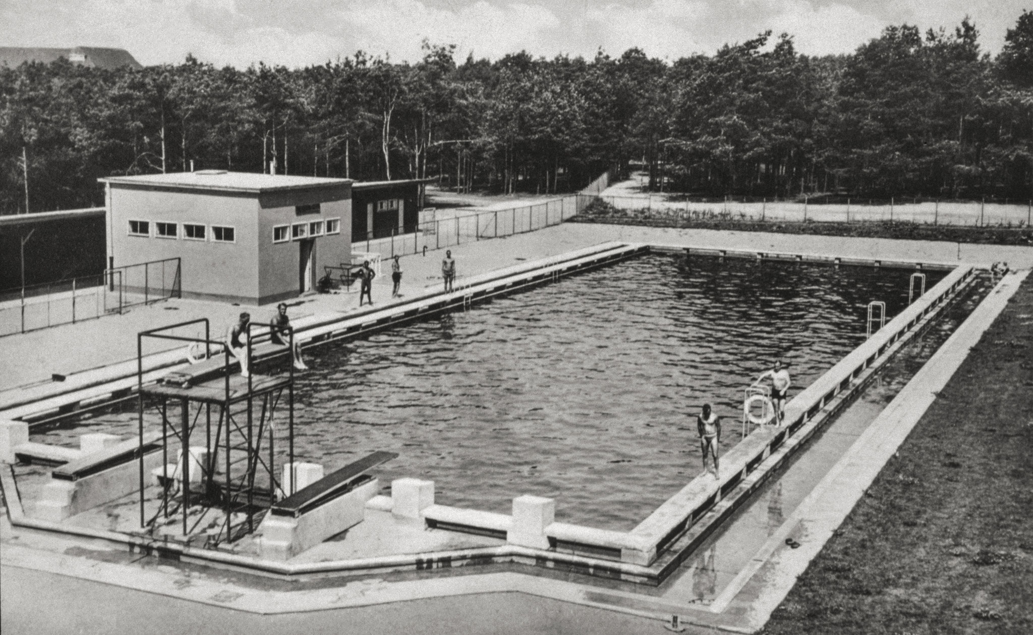 Open air swimming pool, circa 1920 (© Förderverein Garnisonsmuseum Wünsdorf e. V.)