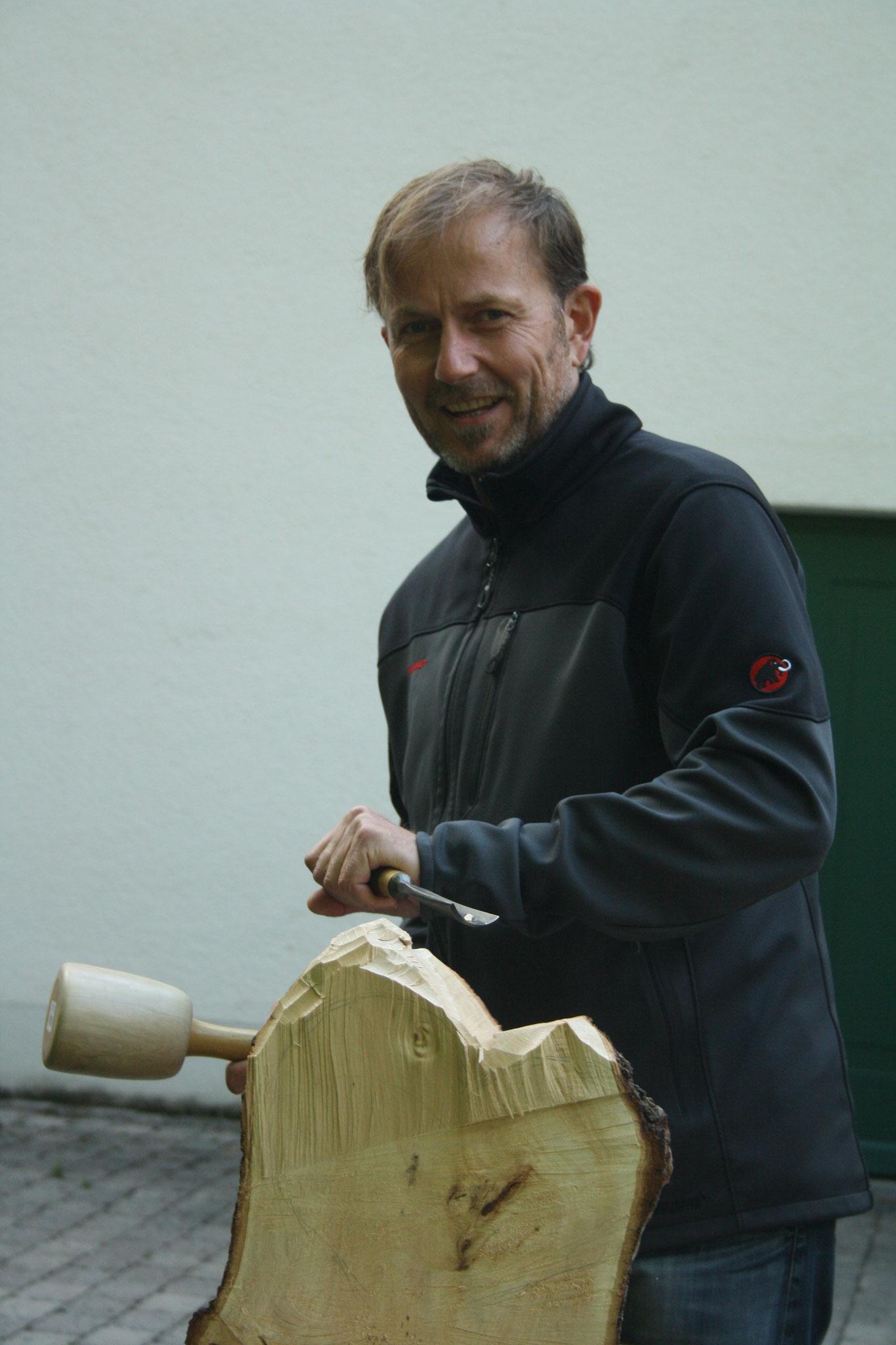 Bildhauerei mit Holz