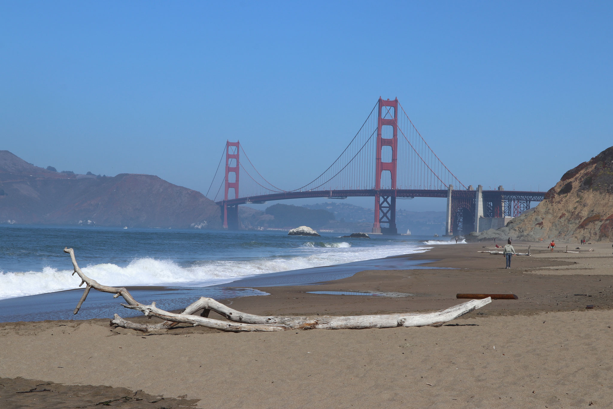 ...also a beautiful beach...only difference the big waves beating the sand from the open pacific ocean