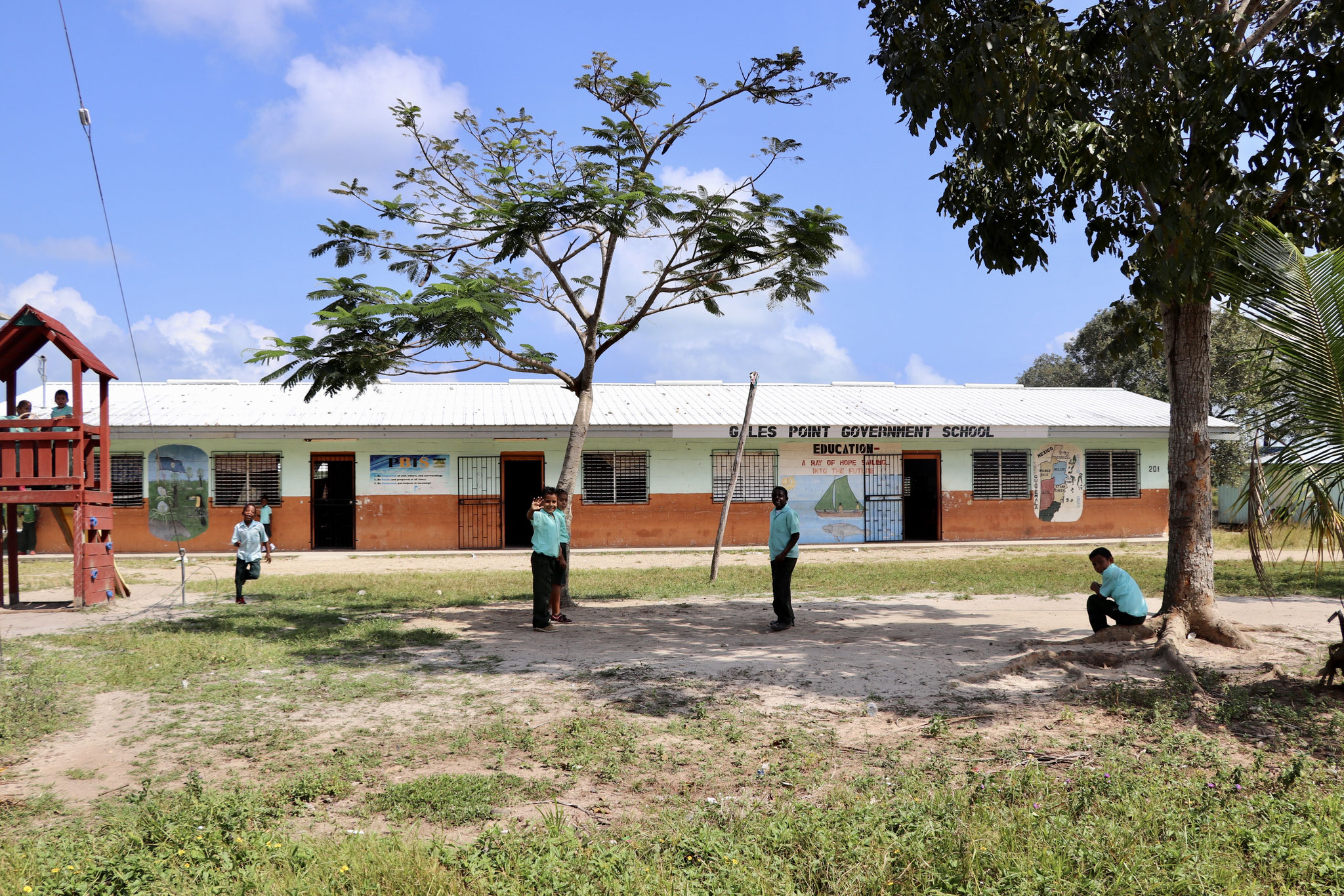 Primary School in Gales Point..
