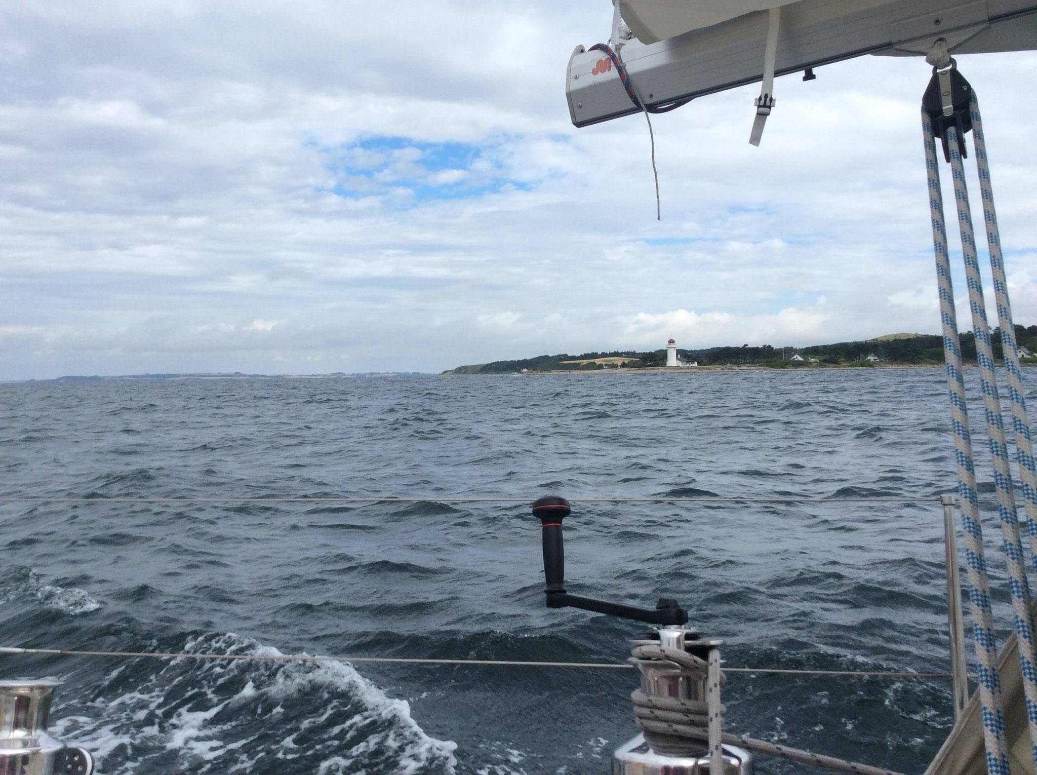 Leuchtturm Sletterhage an Backbord passiert