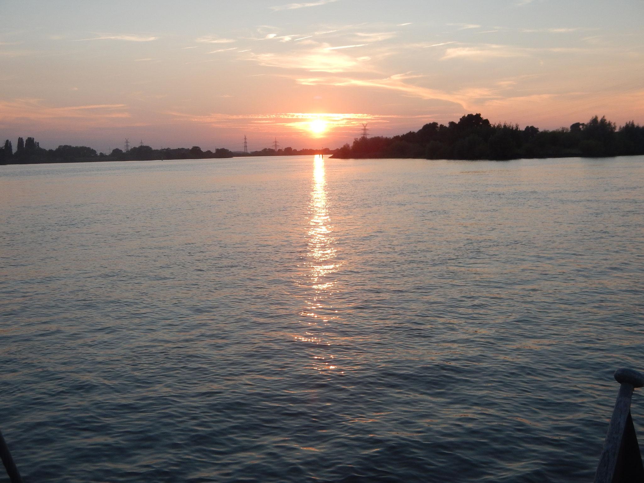 Sonnenuntergang über dem Lühesand