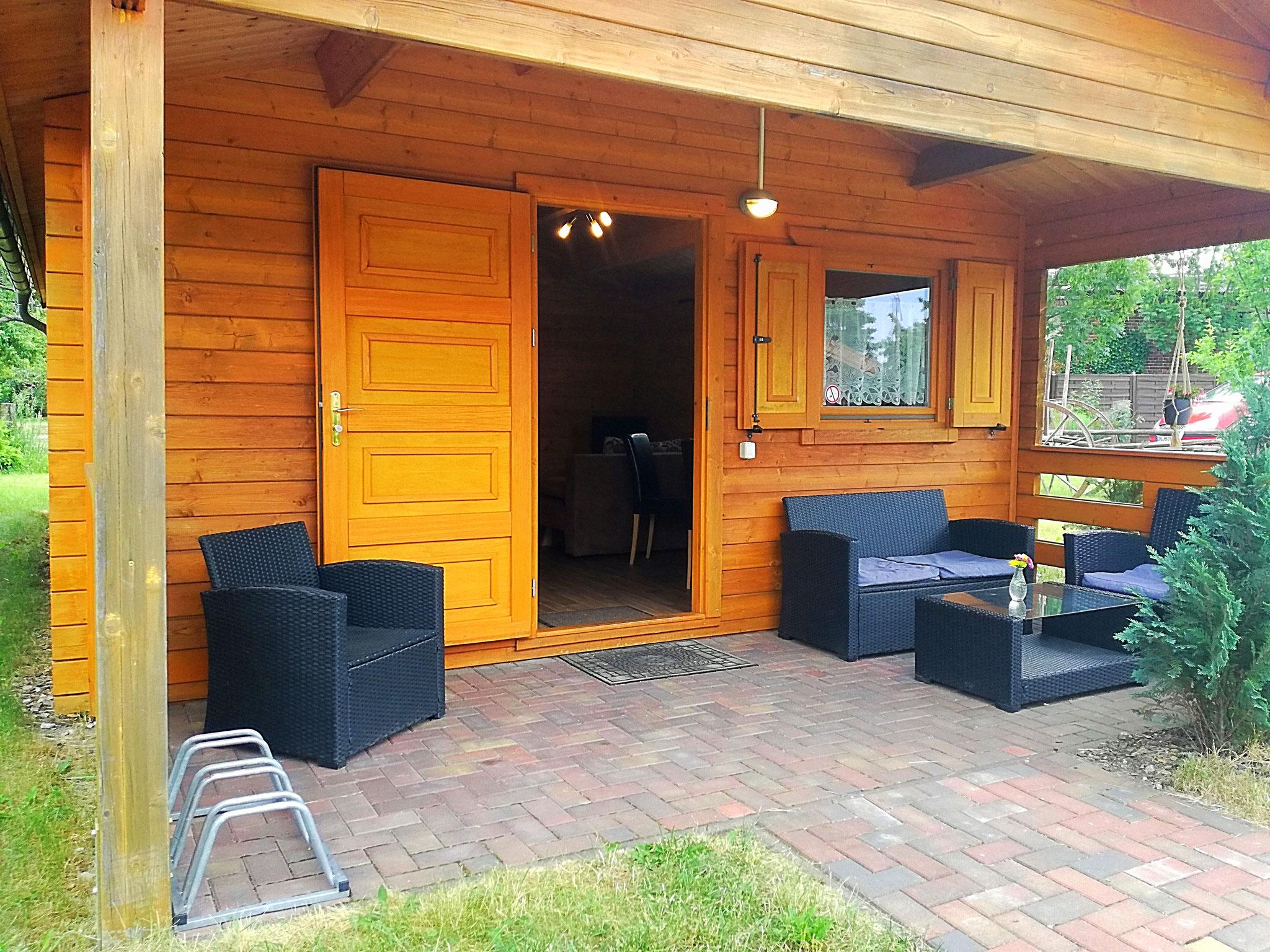 Terrasse kleine Hütte