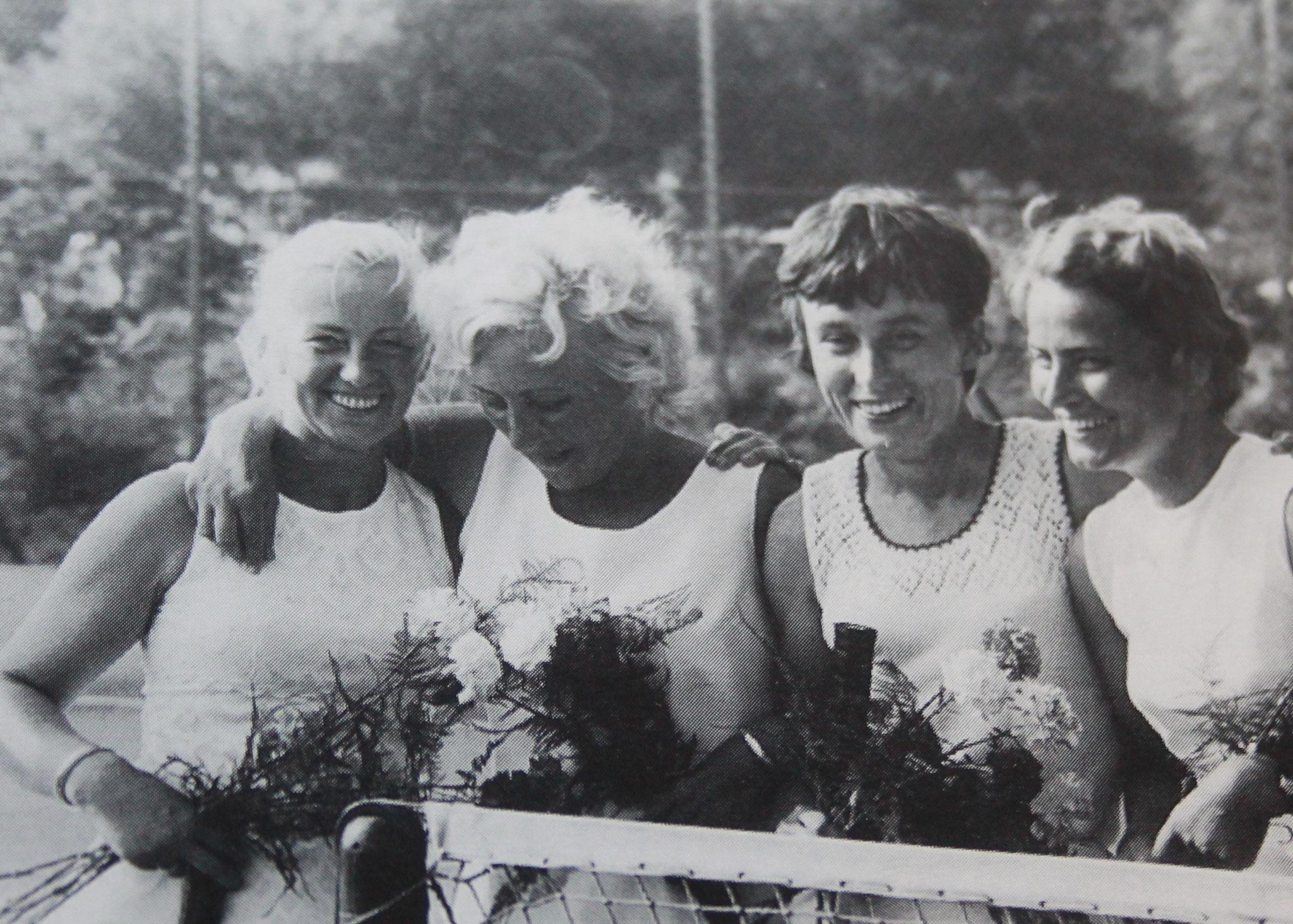 1977 Damen Landesliga Gruppe A. Frau Sack, Frau During (Preetz), Susi Reiberg und Karin Kasch